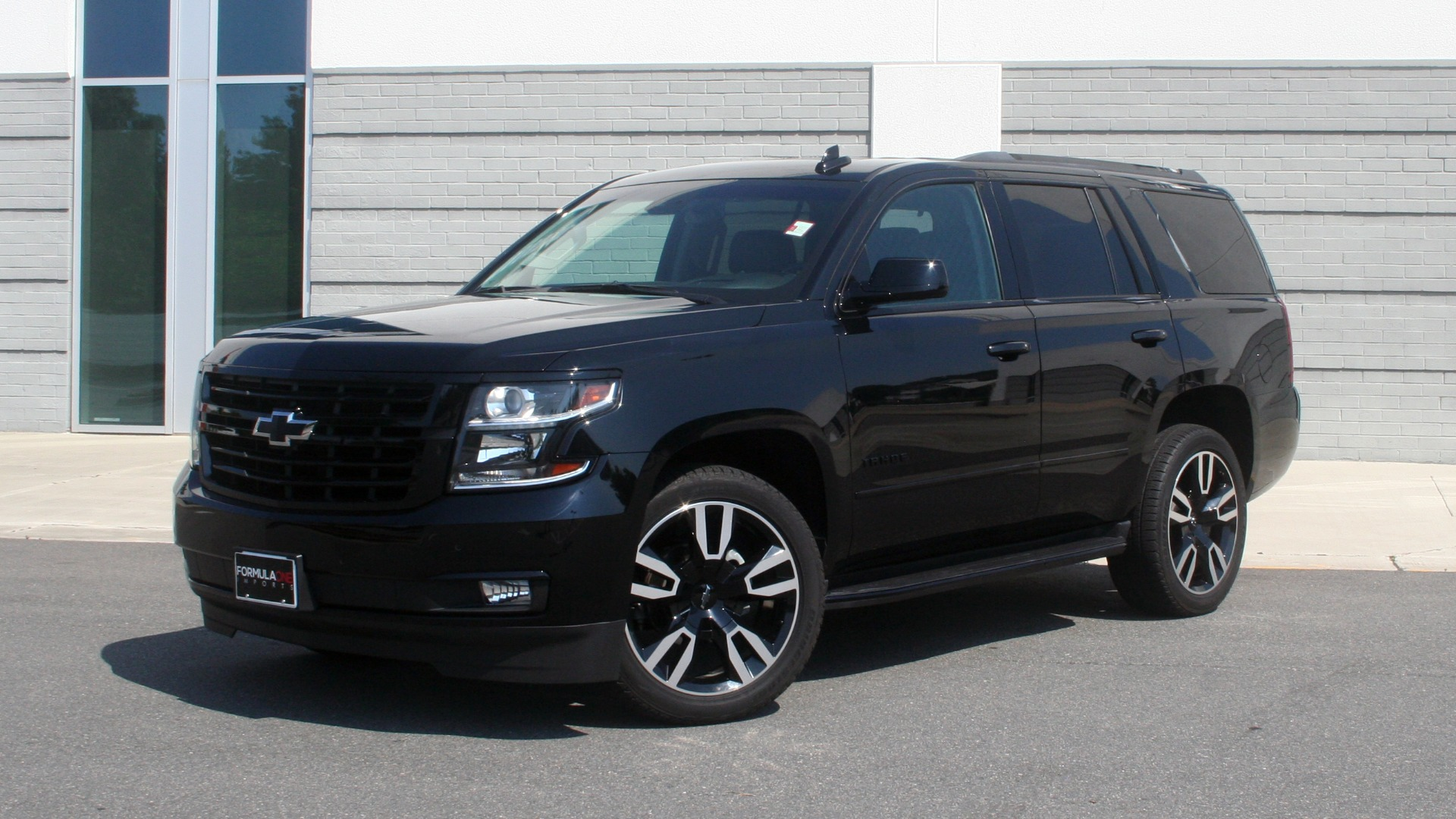 Used 2018 Chevrolet TAHOE PREMIER RST / 4X4 / NAV / BOSE / SUNROOF / 3-ROW / REARVIEW for sale $65,995 at Formula Imports in Charlotte NC 28227 1