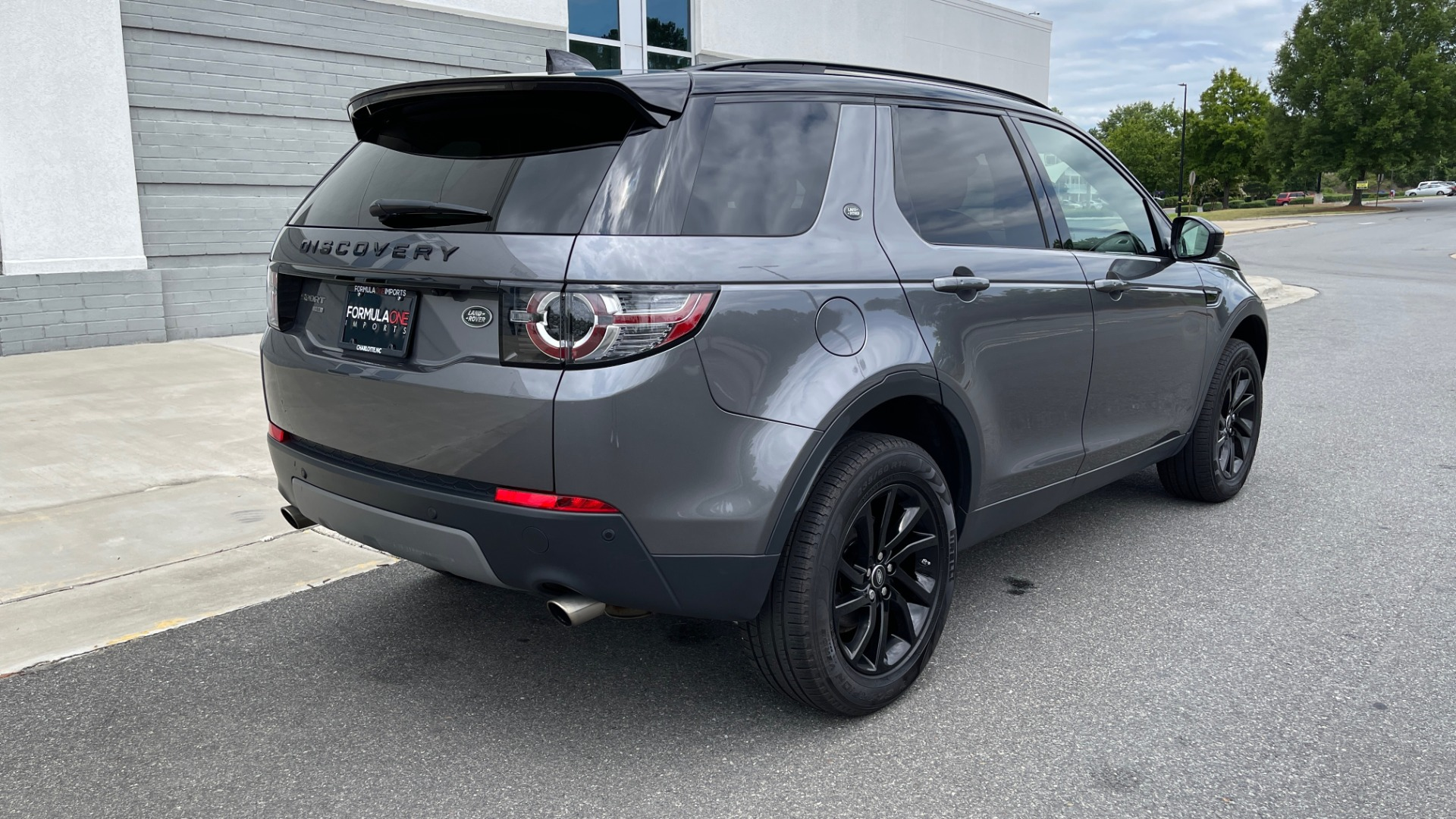 Used 2018 Land Rover DISCOVERY SPORT HSE 4WD / NAV / PANO-ROOF / MERIDIAN SND / HTD STS / LANE ASST / REARVIEW for sale $34,995 at Formula Imports in Charlotte NC 28227 2