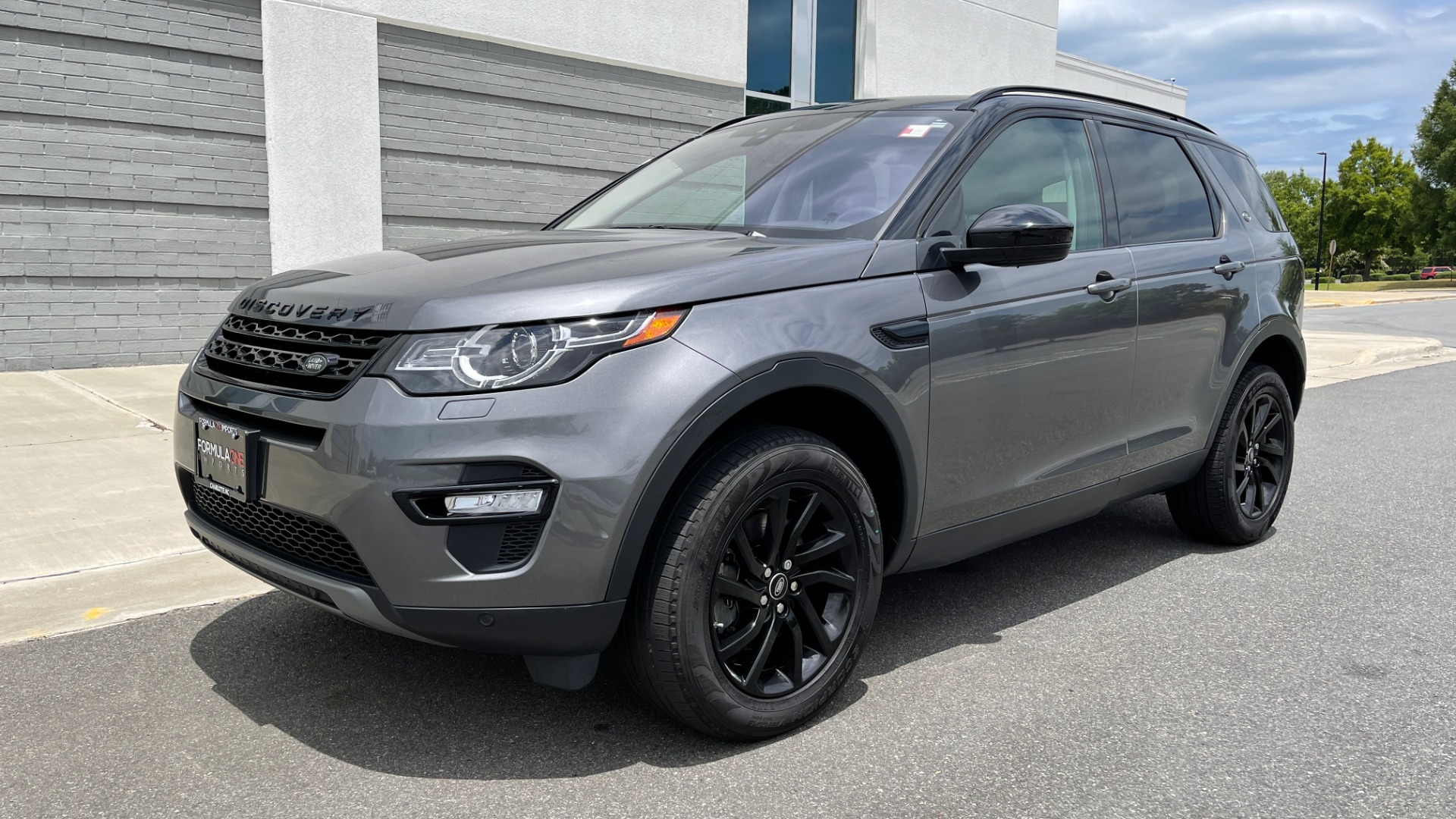 Used 2018 Land Rover DISCOVERY SPORT HSE 4WD / NAV / PANO-ROOF / MERIDIAN SND / HTD STS / LANE ASST / REARVIEW for sale $34,995 at Formula Imports in Charlotte NC 28227 3