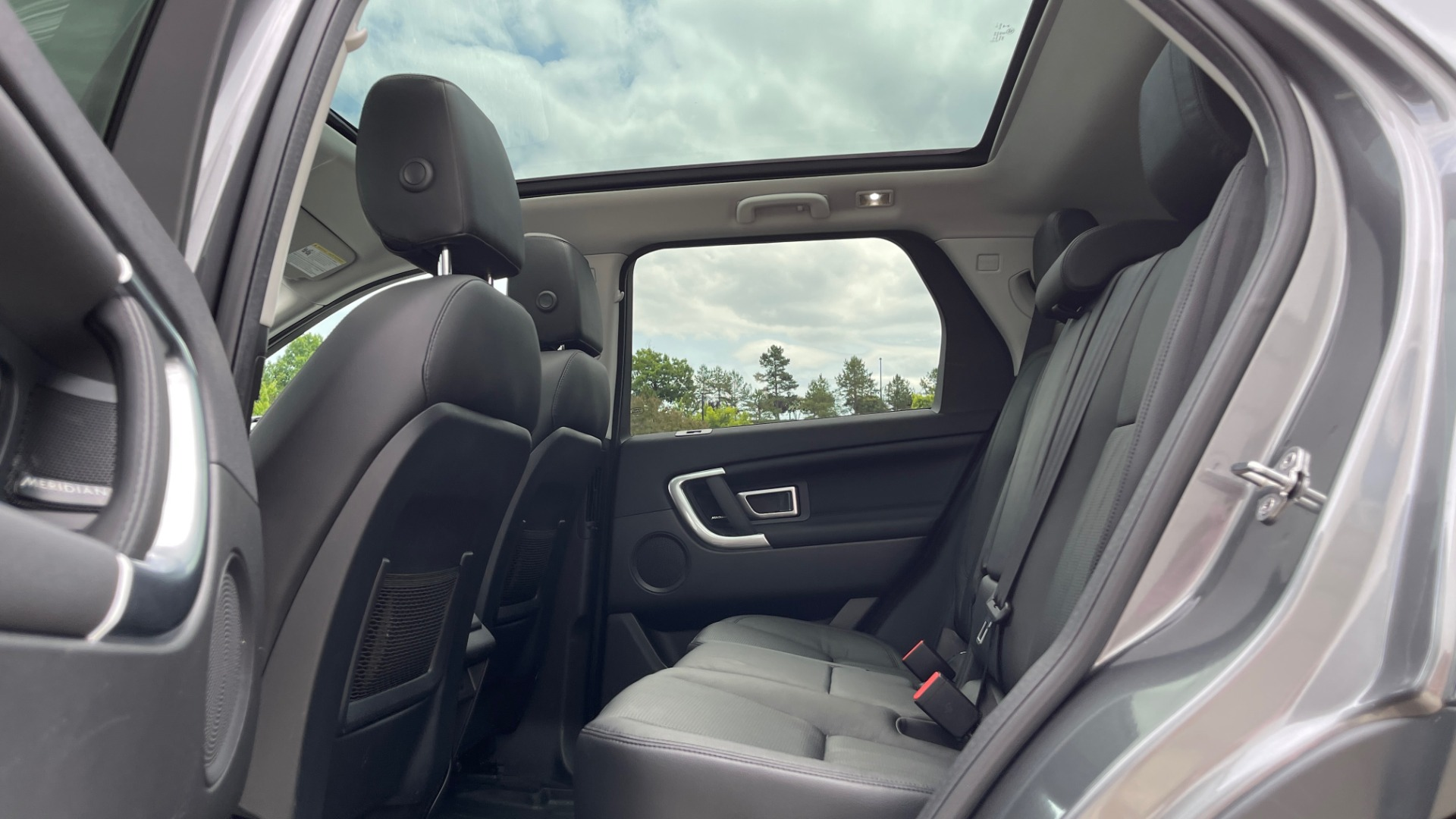 Used 2018 Land Rover DISCOVERY SPORT HSE 4WD / NAV / PANO-ROOF / MERIDIAN SND / HTD STS / LANE ASST / REARVIEW for sale $34,995 at Formula Imports in Charlotte NC 28227 59
