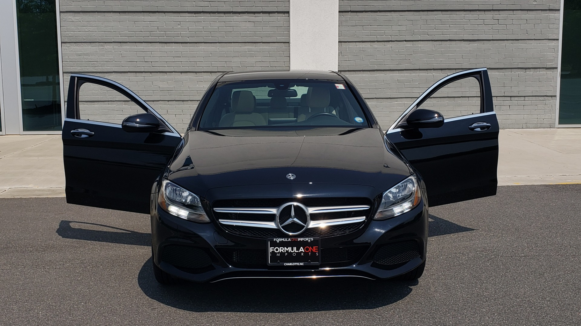 Used 2018 Mercedes-Benz C-CLASS C 300 4MATIC / PREMIUM / MULTIMEDIA / NAV / PANO-ROOF / BURMESTER for sale $30,495 at Formula Imports in Charlotte NC 28227 19