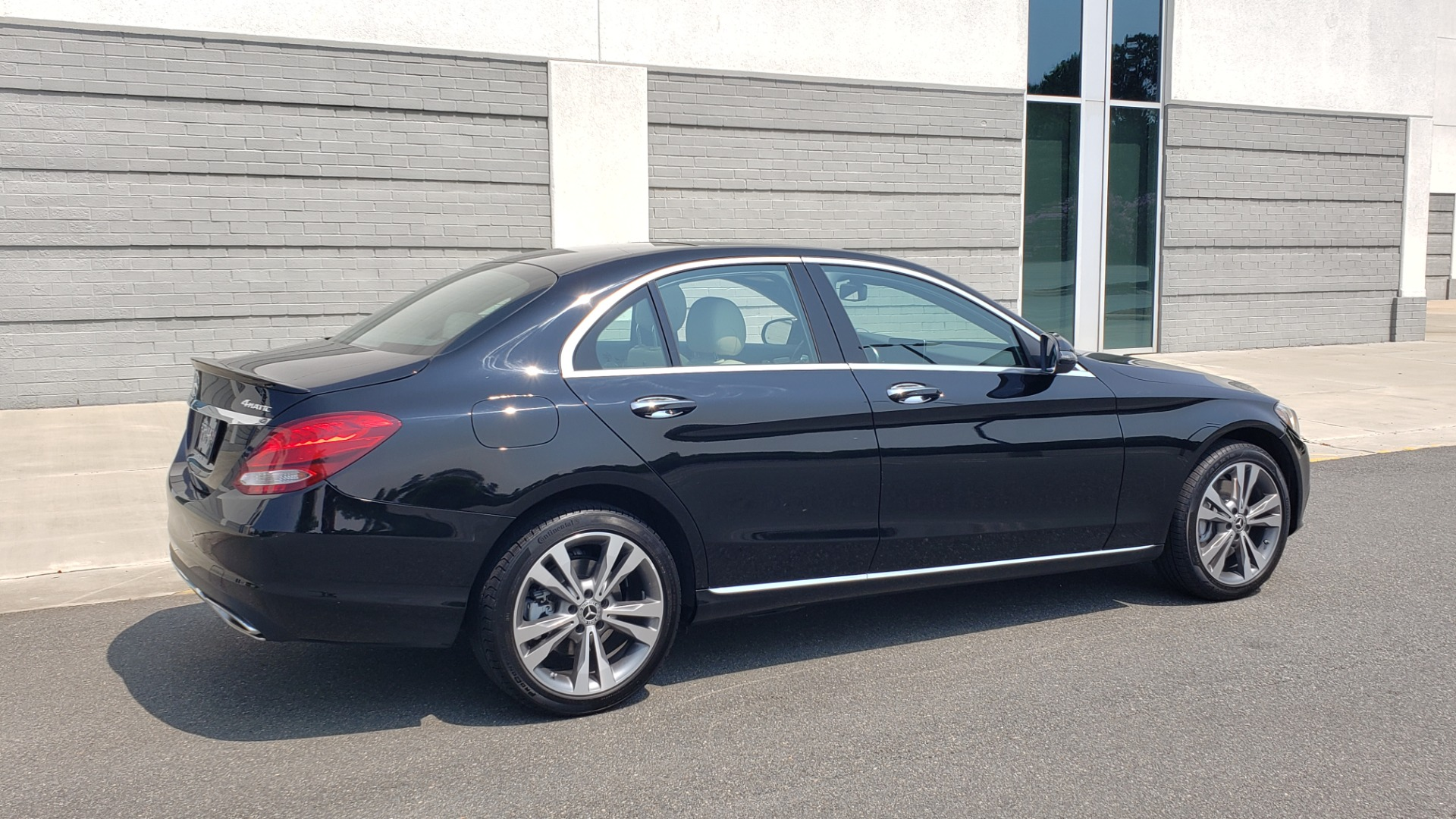Used 2018 Mercedes-Benz C-CLASS C 300 4MATIC / PREMIUM / MULTIMEDIA / NAV / PANO-ROOF / BURMESTER for sale $30,495 at Formula Imports in Charlotte NC 28227 2