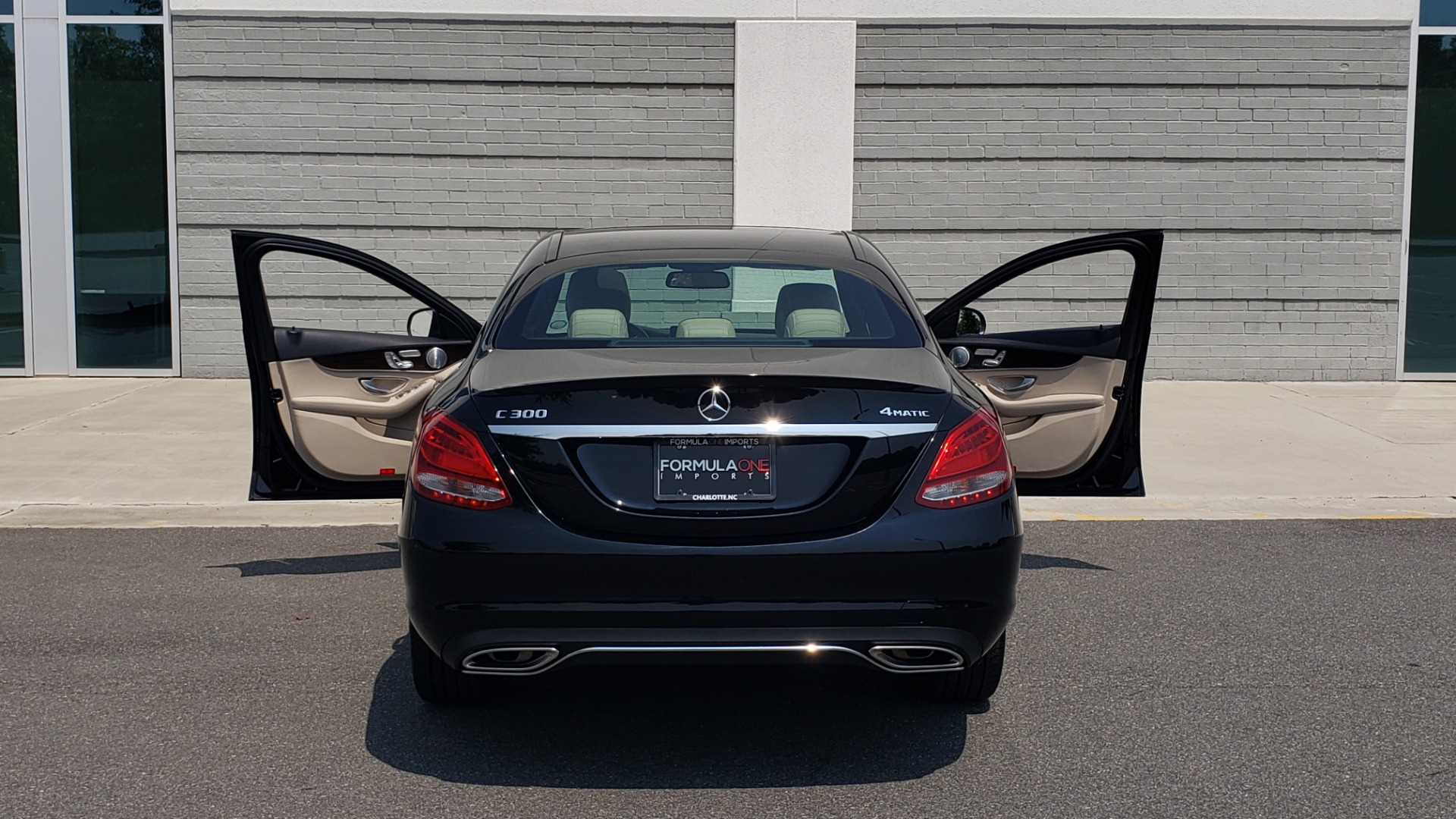 Used 2018 Mercedes-Benz C-CLASS C 300 4MATIC / PREMIUM / MULTIMEDIA / NAV / PANO-ROOF / BURMESTER for sale $30,495 at Formula Imports in Charlotte NC 28227 26