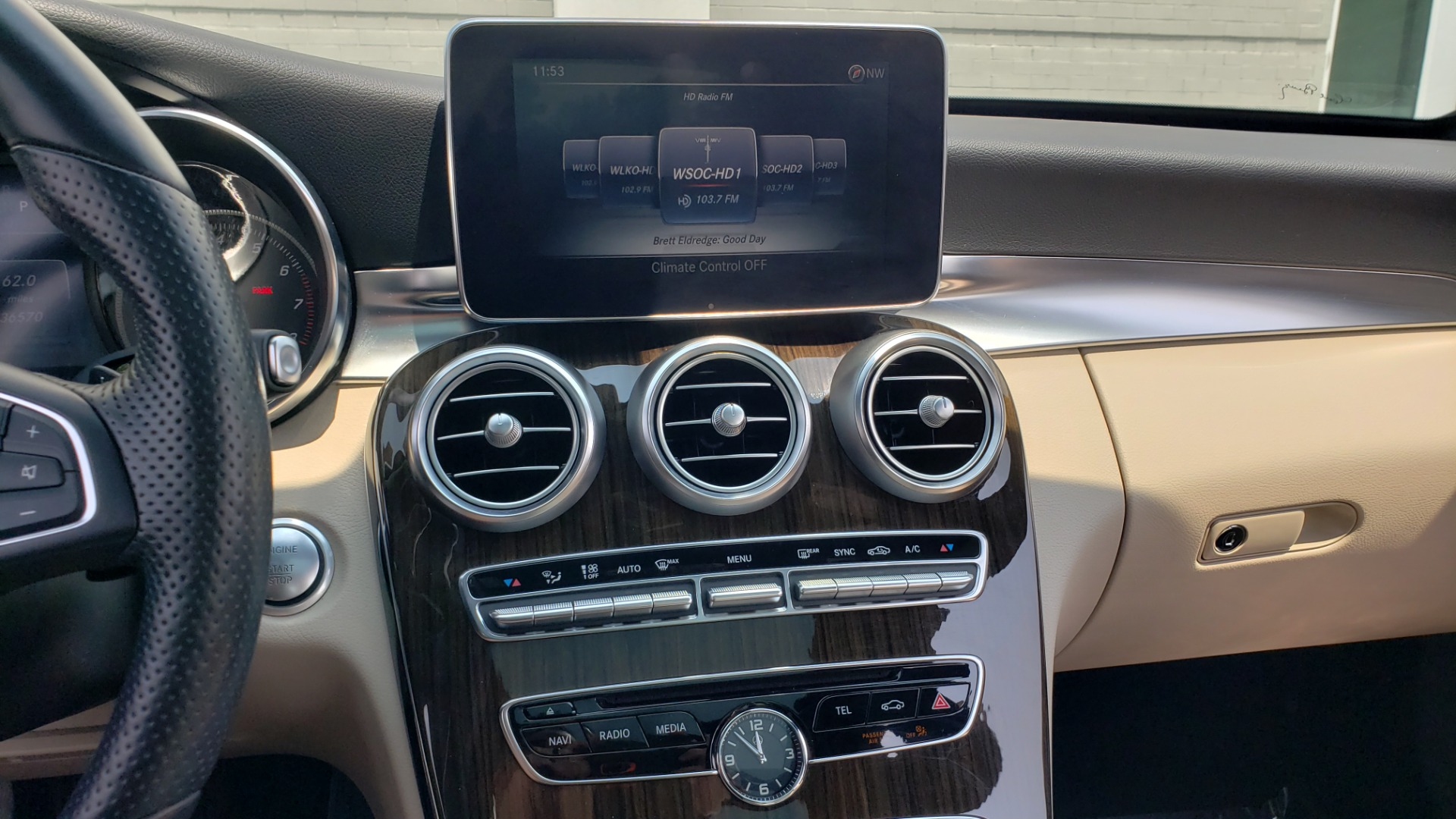 Used 2018 Mercedes-Benz C-CLASS C 300 4MATIC / PREMIUM / MULTIMEDIA / NAV / PANO-ROOF / BURMESTER for sale $30,495 at Formula Imports in Charlotte NC 28227 42