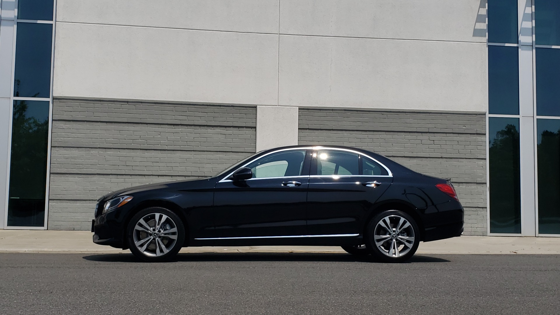 Used 2018 Mercedes-Benz C-CLASS C 300 4MATIC / PREMIUM / MULTIMEDIA / NAV / PANO-ROOF / BURMESTER for sale $30,495 at Formula Imports in Charlotte NC 28227 5