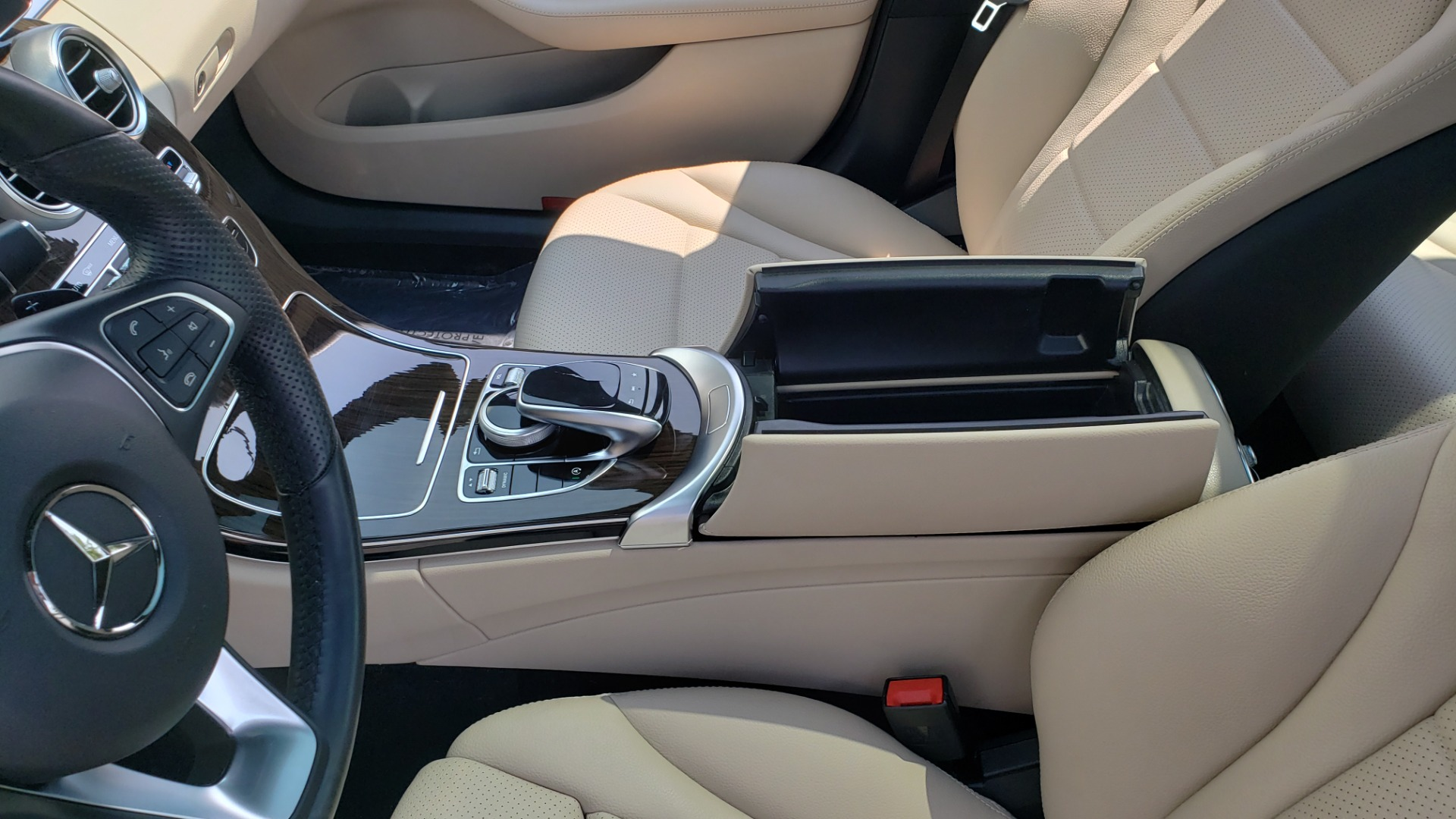 Used 2018 Mercedes-Benz C-CLASS C 300 4MATIC / PREMIUM / MULTIMEDIA / NAV / PANO-ROOF / BURMESTER for sale $30,495 at Formula Imports in Charlotte NC 28227 53