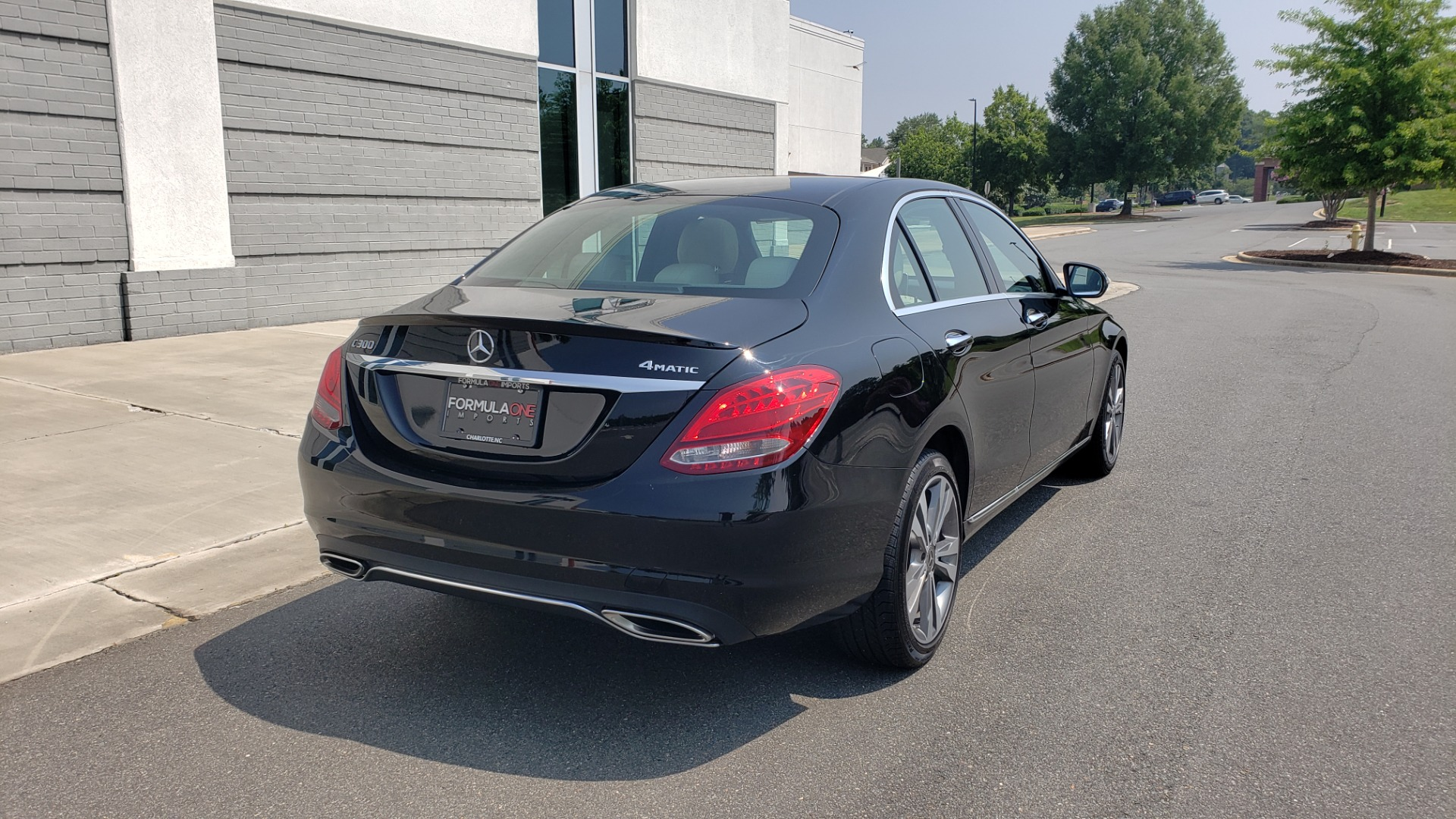 Used 2018 Mercedes-Benz C-CLASS C 300 4MATIC / PREMIUM / MULTIMEDIA / NAV / PANO-ROOF / BURMESTER for sale $30,495 at Formula Imports in Charlotte NC 28227 8