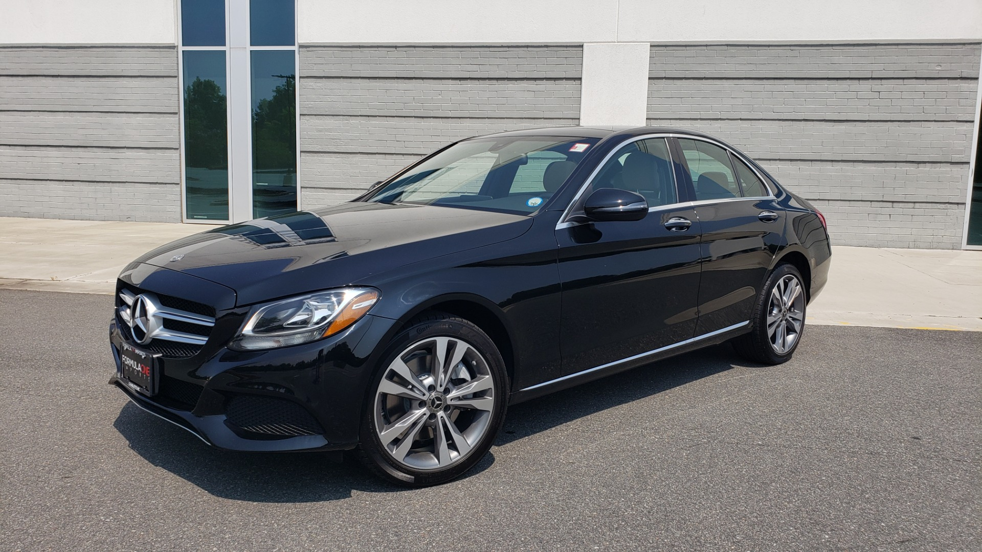 Used 2018 Mercedes-Benz C-CLASS C 300 4MATIC / PREMIUM / MULTIMEDIA / NAV / PANO-ROOF / BURMESTER for sale $30,495 at Formula Imports in Charlotte NC 28227 1