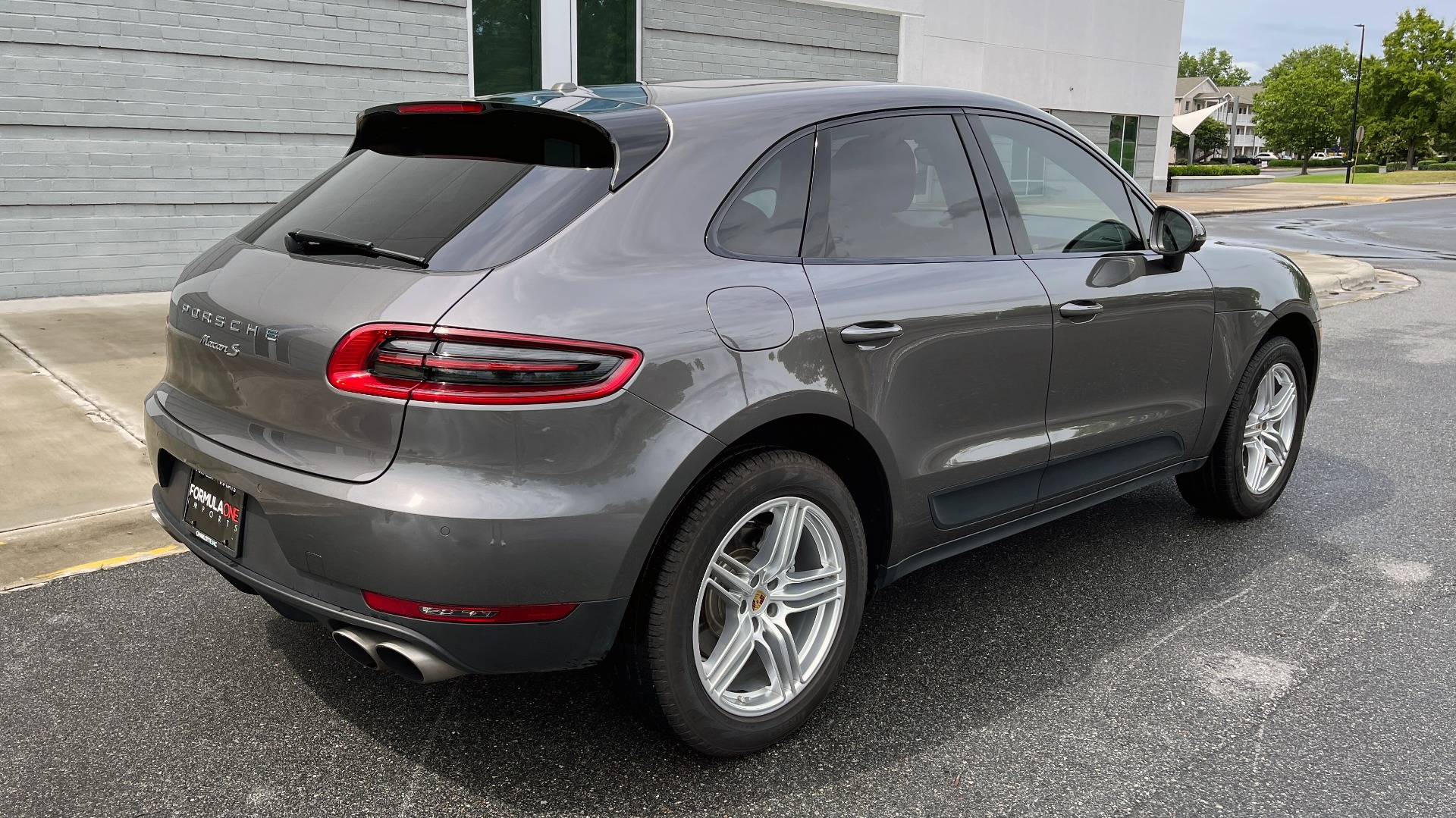 Used 2016 Porsche MACAN S PREMIUM PLUS / AWD / NAV / BOSE / SUNROOF / LCA / PARK ASST / INFOTAINMEN for sale $45,256 at Formula Imports in Charlotte NC 28227 2