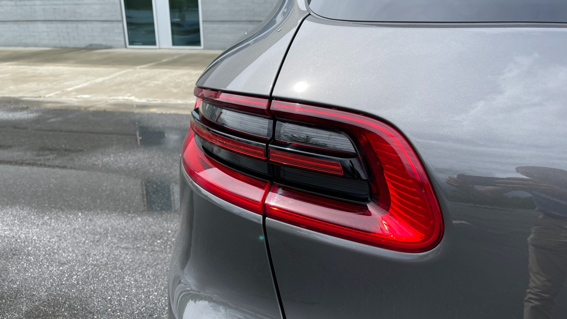 Used 2016 Porsche MACAN S PREMIUM PLUS / AWD / NAV / BOSE / SUNROOF / LCA / PARK ASST / INFOTAINMEN for sale $45,256 at Formula Imports in Charlotte NC 28227 23