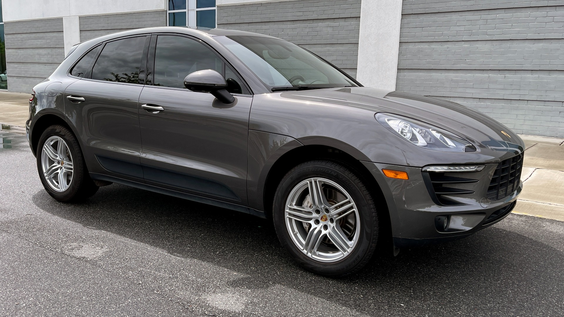 Used 2016 Porsche MACAN S PREMIUM PLUS / AWD / NAV / BOSE / SUNROOF / LCA / PARK ASST / INFOTAINMEN for sale $45,256 at Formula Imports in Charlotte NC 28227 5