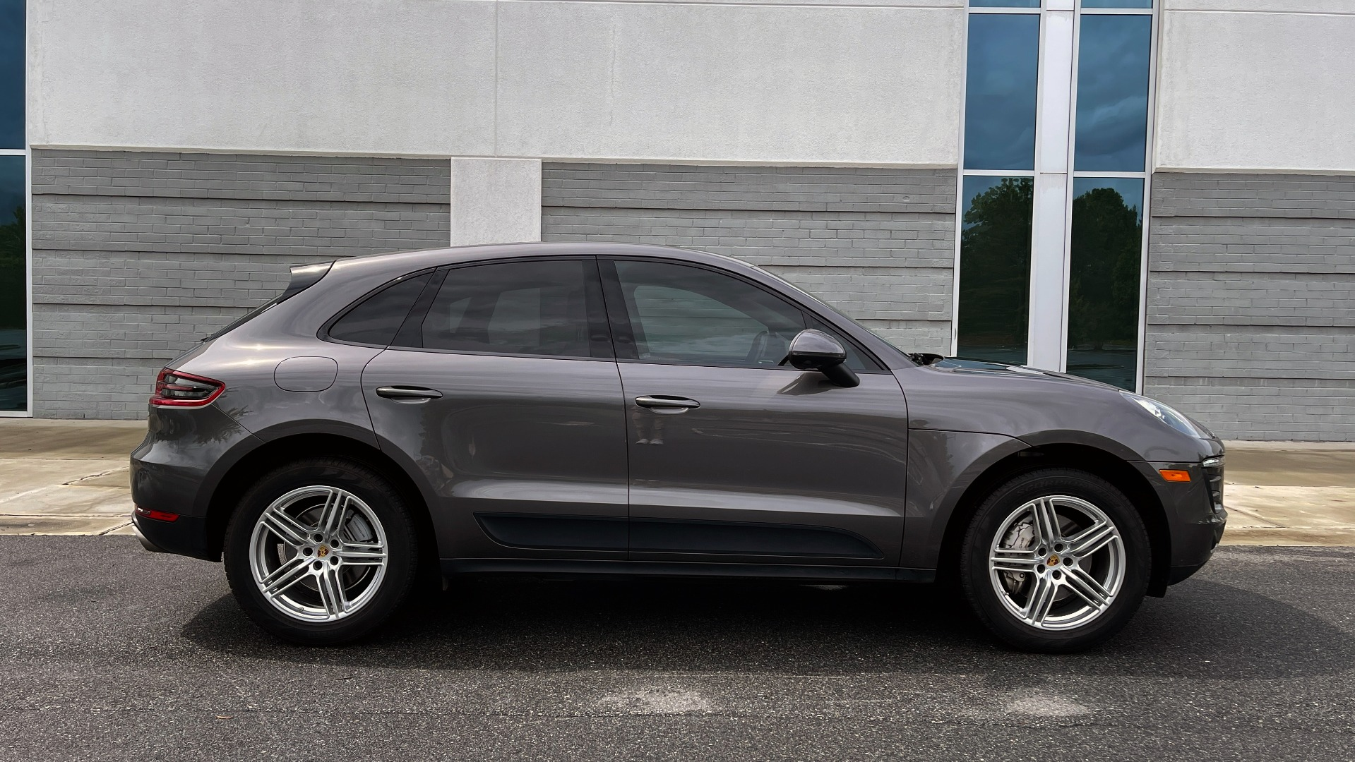 Used 2016 Porsche MACAN S PREMIUM PLUS / AWD / NAV / BOSE / SUNROOF / LCA / PARK ASST / INFOTAINMEN for sale $45,256 at Formula Imports in Charlotte NC 28227 6