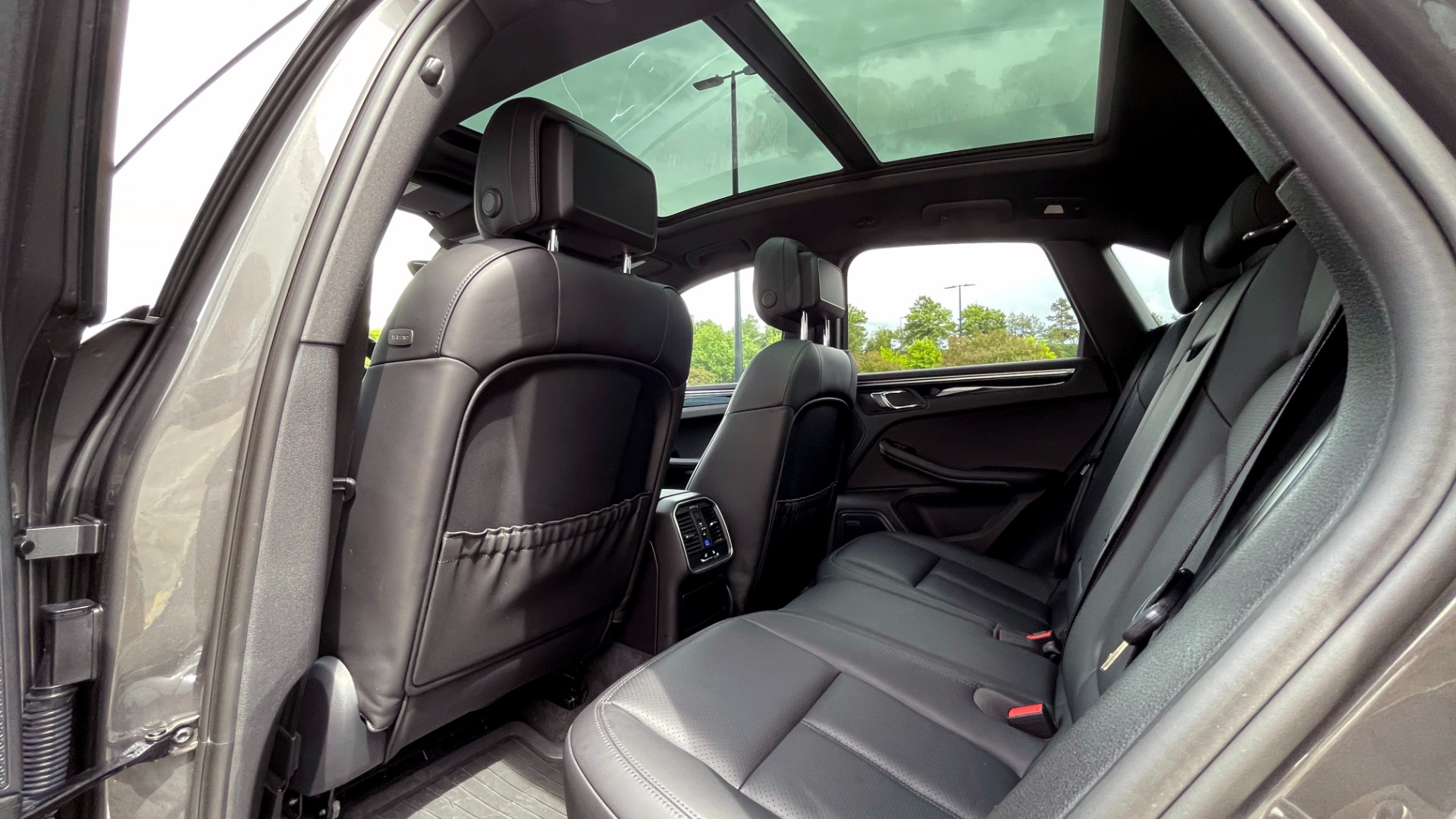 Used 2016 Porsche MACAN S PREMIUM PLUS / AWD / NAV / BOSE / SUNROOF / LCA / PARK ASST / INFOTAINMEN for sale $45,256 at Formula Imports in Charlotte NC 28227 62