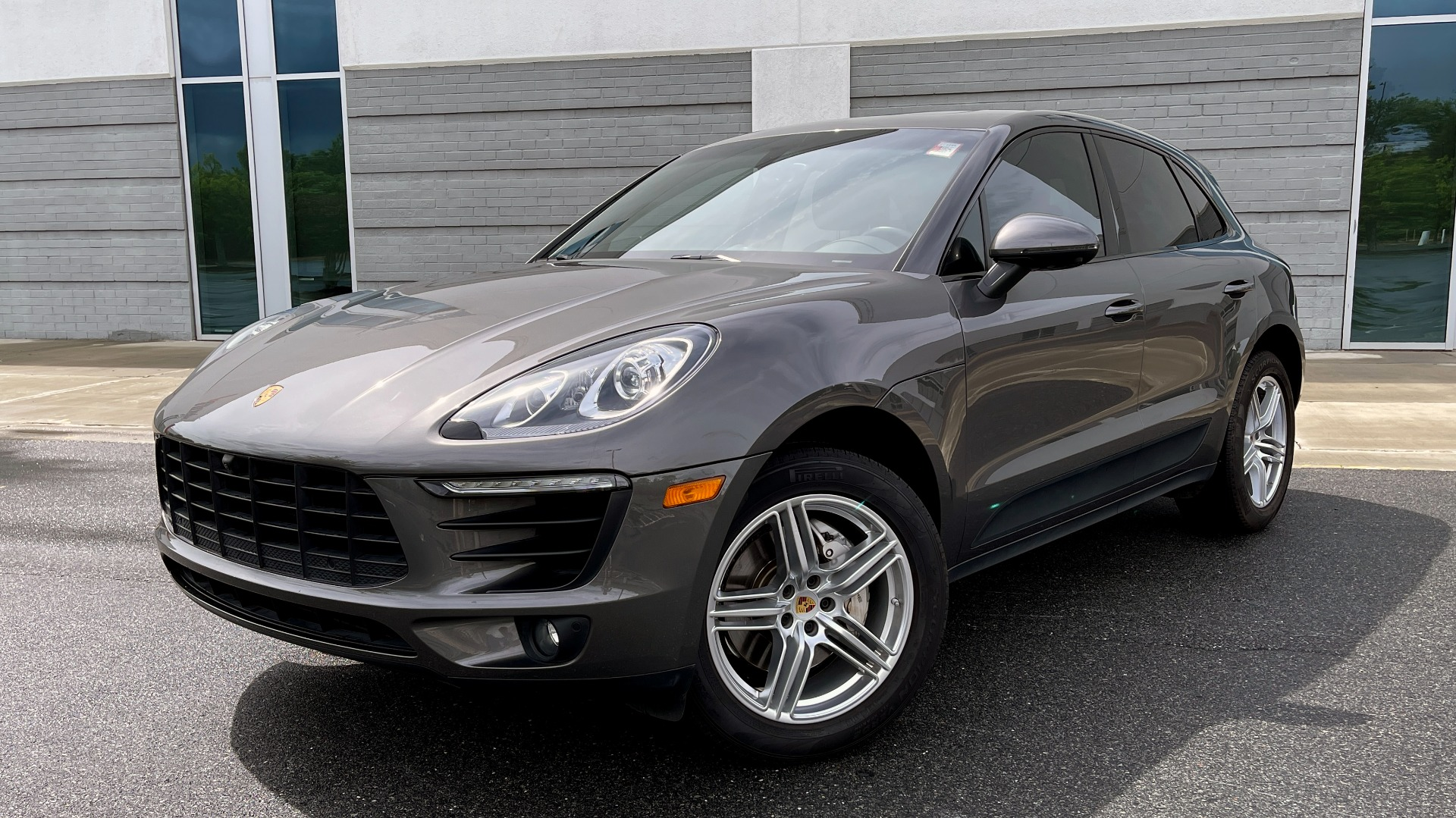 Used 2016 Porsche MACAN S PREMIUM PLUS / AWD / NAV / BOSE / SUNROOF / LCA / PARK ASST / INFOTAINMEN for sale $45,256 at Formula Imports in Charlotte NC 28227 1