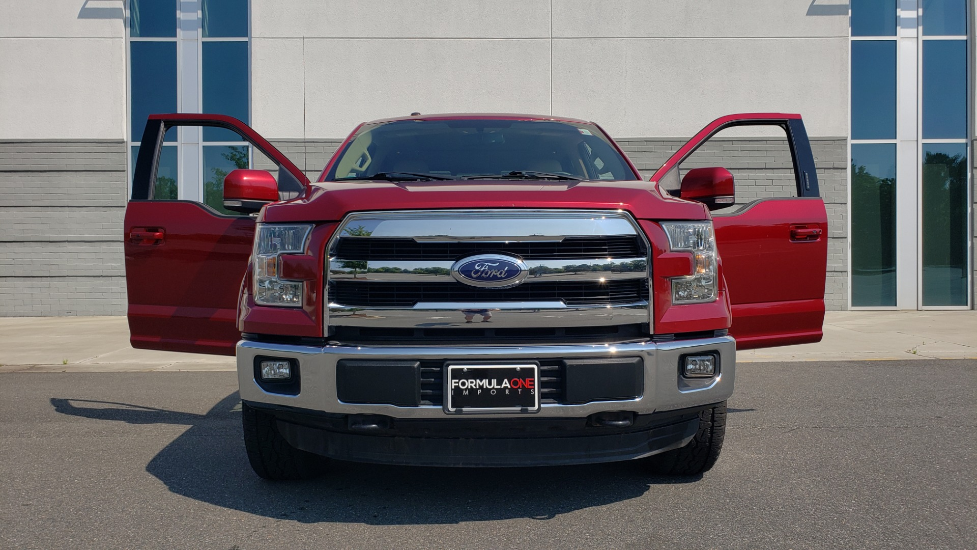 Used 2015 Ford F-150 LARIAT 4X4 SUPERCREW / 5.0L V8 / AUTO / NAV / SUNROOF / REARVIEW for sale $33,995 at Formula Imports in Charlotte NC 28227 17