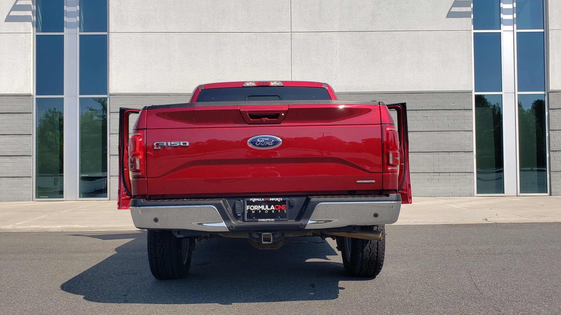 Used 2015 Ford F-150 LARIAT 4X4 SUPERCREW / 5.0L V8 / AUTO / NAV / SUNROOF / REARVIEW for sale $33,995 at Formula Imports in Charlotte NC 28227 23