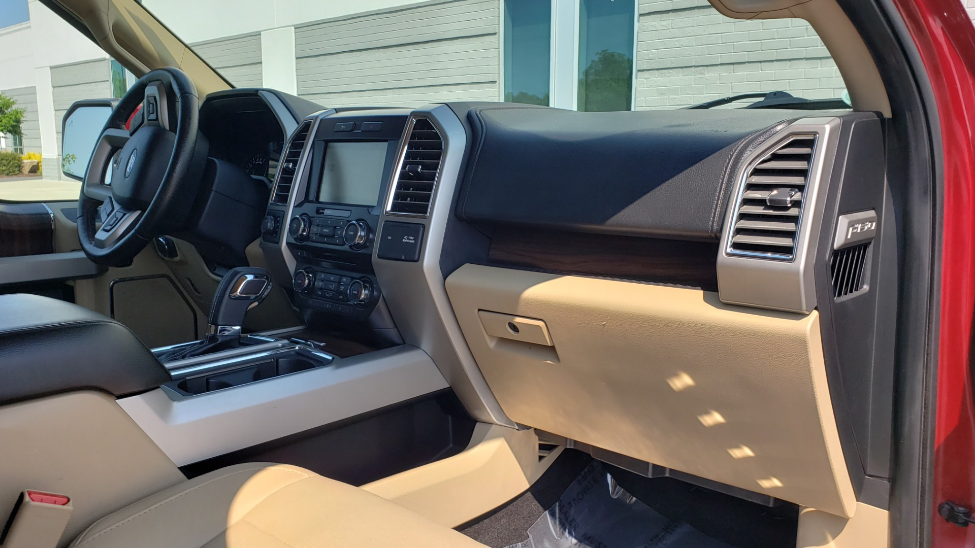 Used 2015 Ford F-150 LARIAT 4X4 SUPERCREW / 5.0L V8 / AUTO / NAV / SUNROOF / REARVIEW for sale $33,995 at Formula Imports in Charlotte NC 28227 73