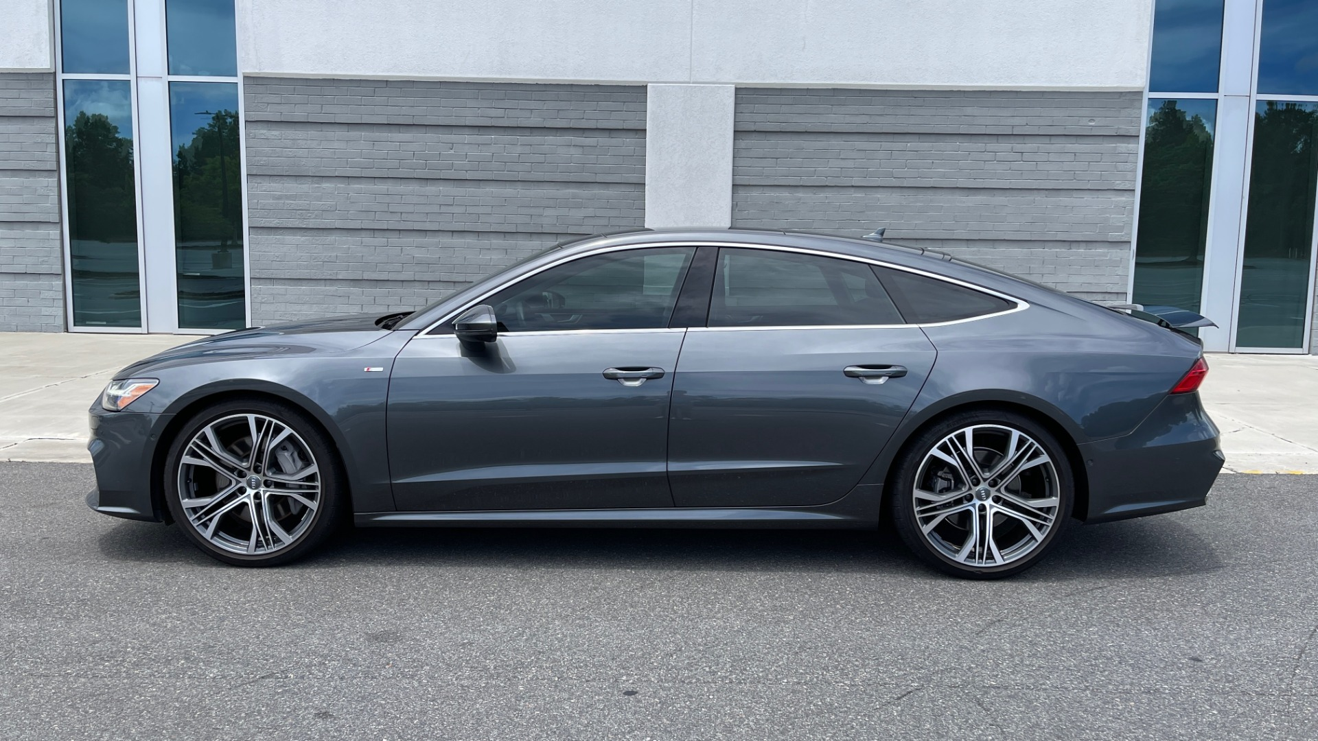 Used 2019 Audi A7 PRESTIGE 55 TFSI 3.0T / NAV / B&O SND / SUNROOF / S-LINE / 21IN WHLS / REAR for sale $66,995 at Formula Imports in Charlotte NC 28227 4