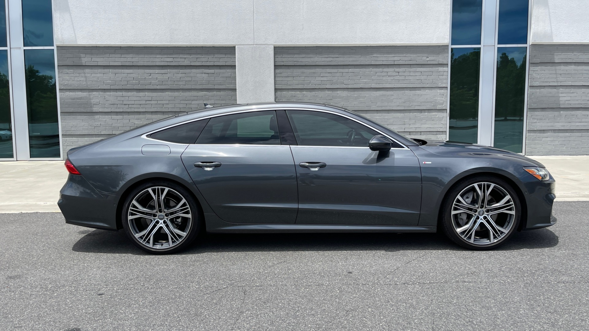 Used 2019 Audi A7 PRESTIGE 55 TFSI 3.0T / NAV / B&O SND / SUNROOF / S-LINE / 21IN WHLS / REAR for sale $66,995 at Formula Imports in Charlotte NC 28227 7