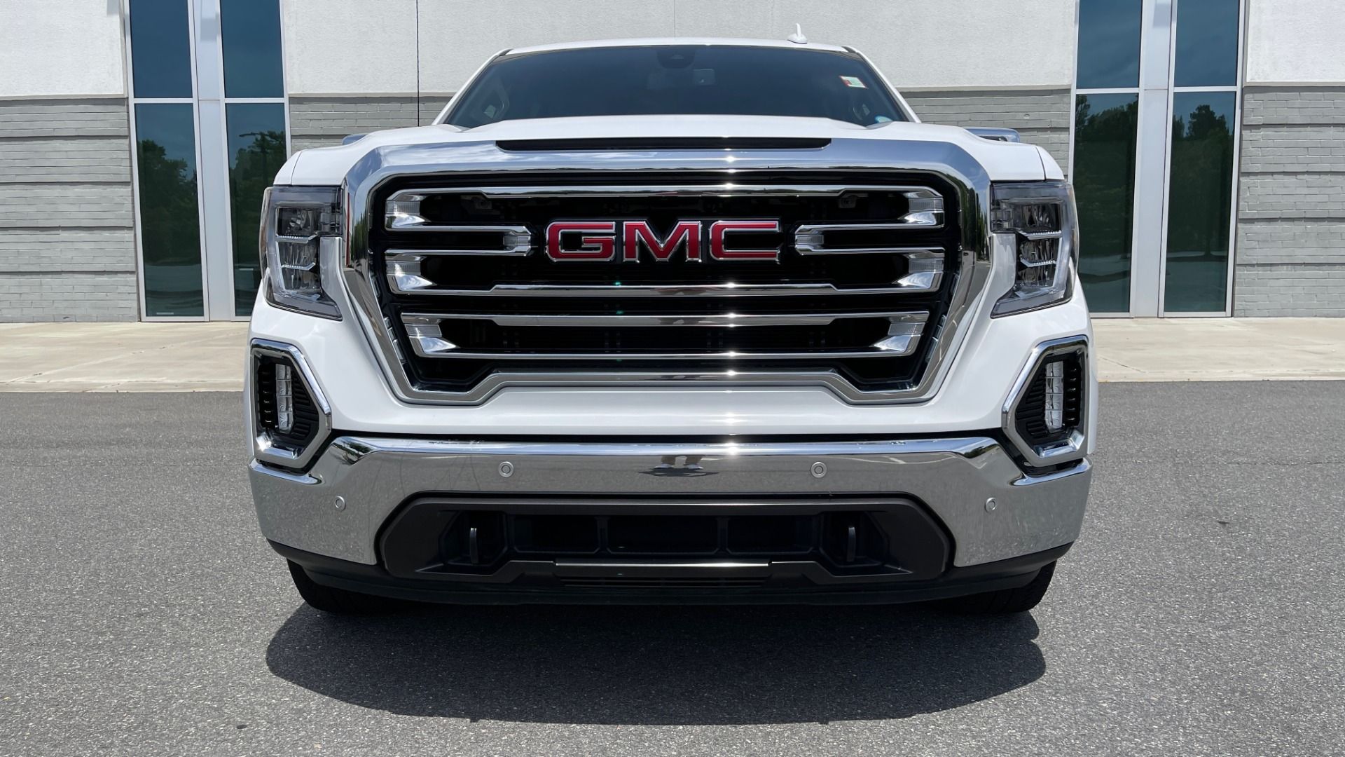 Used 2019 GMC SIERRA 1500 SLT 4X4 CREWCAB / 5.3L V8 / 8-SPD AUTO / NAV / BOSE / REARVIEW for sale $49,999 at Formula Imports in Charlotte NC 28227 13