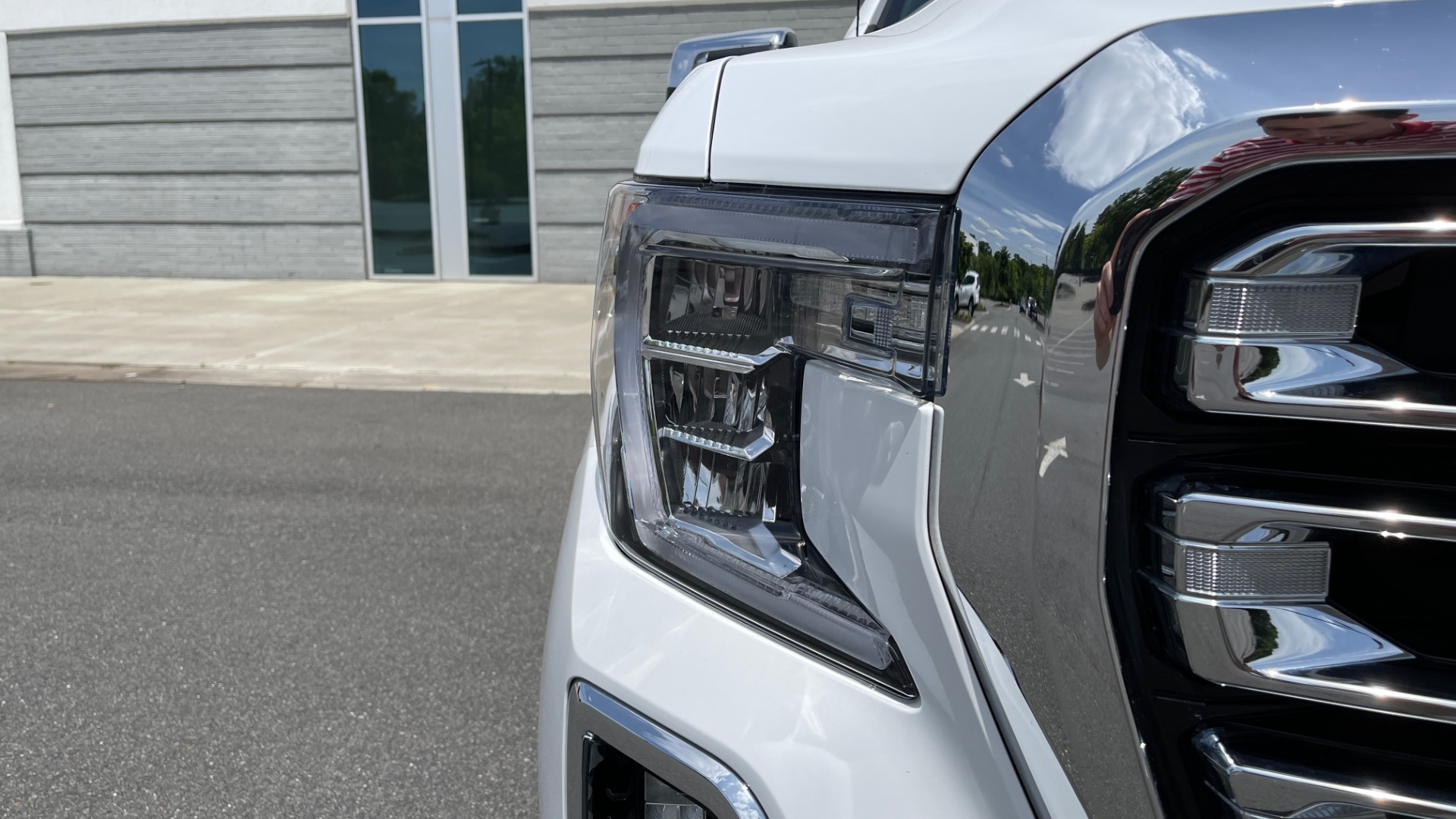 Used 2019 GMC SIERRA 1500 SLT 4X4 CREWCAB / 5.3L V8 / 8-SPD AUTO / NAV / BOSE / REARVIEW for sale $49,999 at Formula Imports in Charlotte NC 28227 14