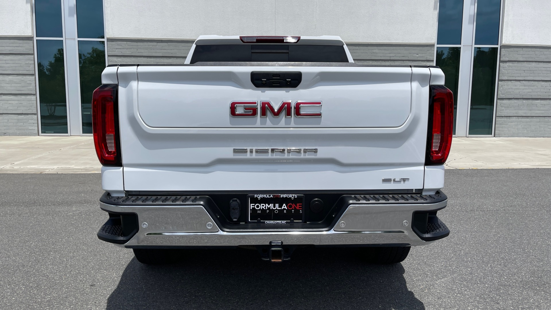 Used 2019 GMC SIERRA 1500 SLT 4X4 CREWCAB / 5.3L V8 / 8-SPD AUTO / NAV / BOSE / REARVIEW for sale $49,999 at Formula Imports in Charlotte NC 28227 19