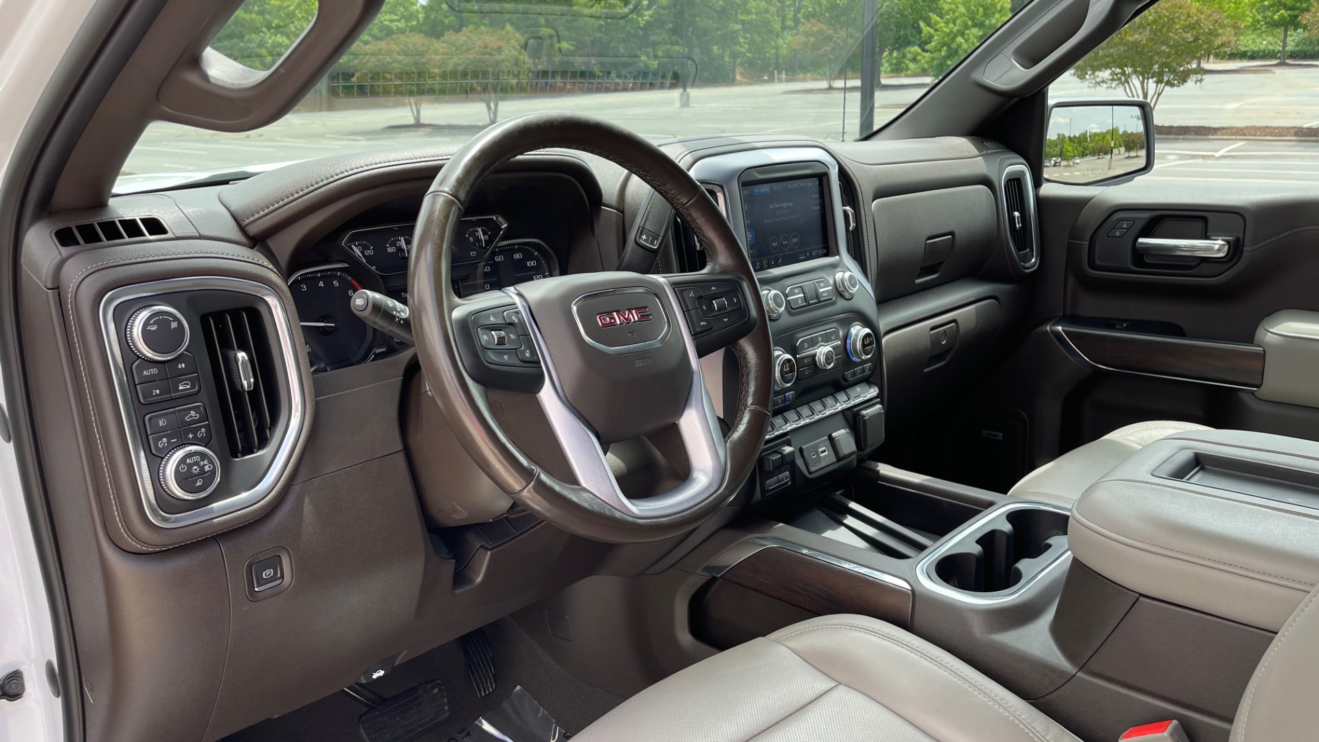 Used 2019 GMC SIERRA 1500 SLT 4X4 CREWCAB / 5.3L V8 / 8-SPD AUTO / NAV / BOSE / REARVIEW for sale $49,999 at Formula Imports in Charlotte NC 28227 37