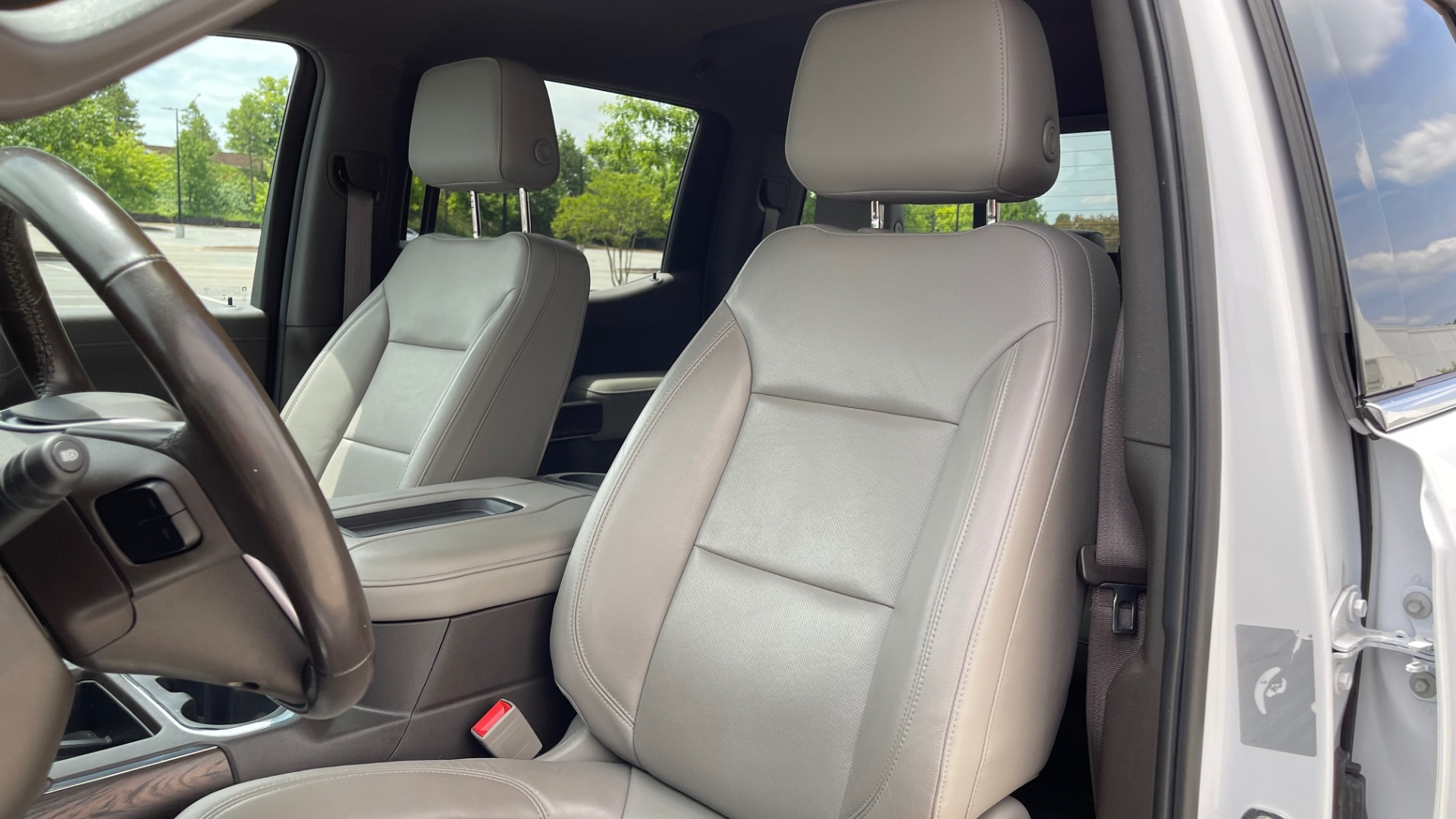 Used 2019 GMC SIERRA 1500 SLT 4X4 CREWCAB / 5.3L V8 / 8-SPD AUTO / NAV / BOSE / REARVIEW for sale $49,999 at Formula Imports in Charlotte NC 28227 38