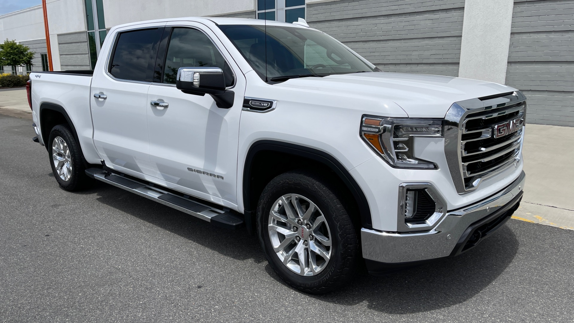 Used 2019 GMC SIERRA 1500 SLT 4X4 CREWCAB / 5.3L V8 / 8-SPD AUTO / NAV / BOSE / REARVIEW for sale $49,999 at Formula Imports in Charlotte NC 28227 6