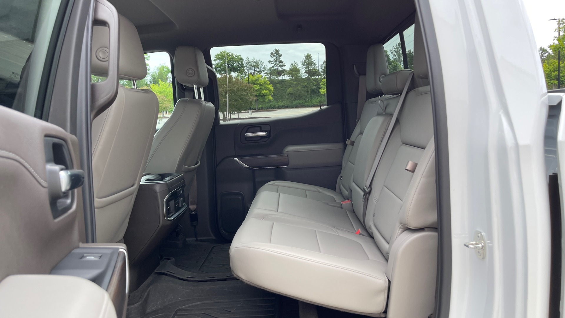 Used 2019 GMC SIERRA 1500 SLT 4X4 CREWCAB / 5.3L V8 / 8-SPD AUTO / NAV / BOSE / REARVIEW for sale $49,999 at Formula Imports in Charlotte NC 28227 63