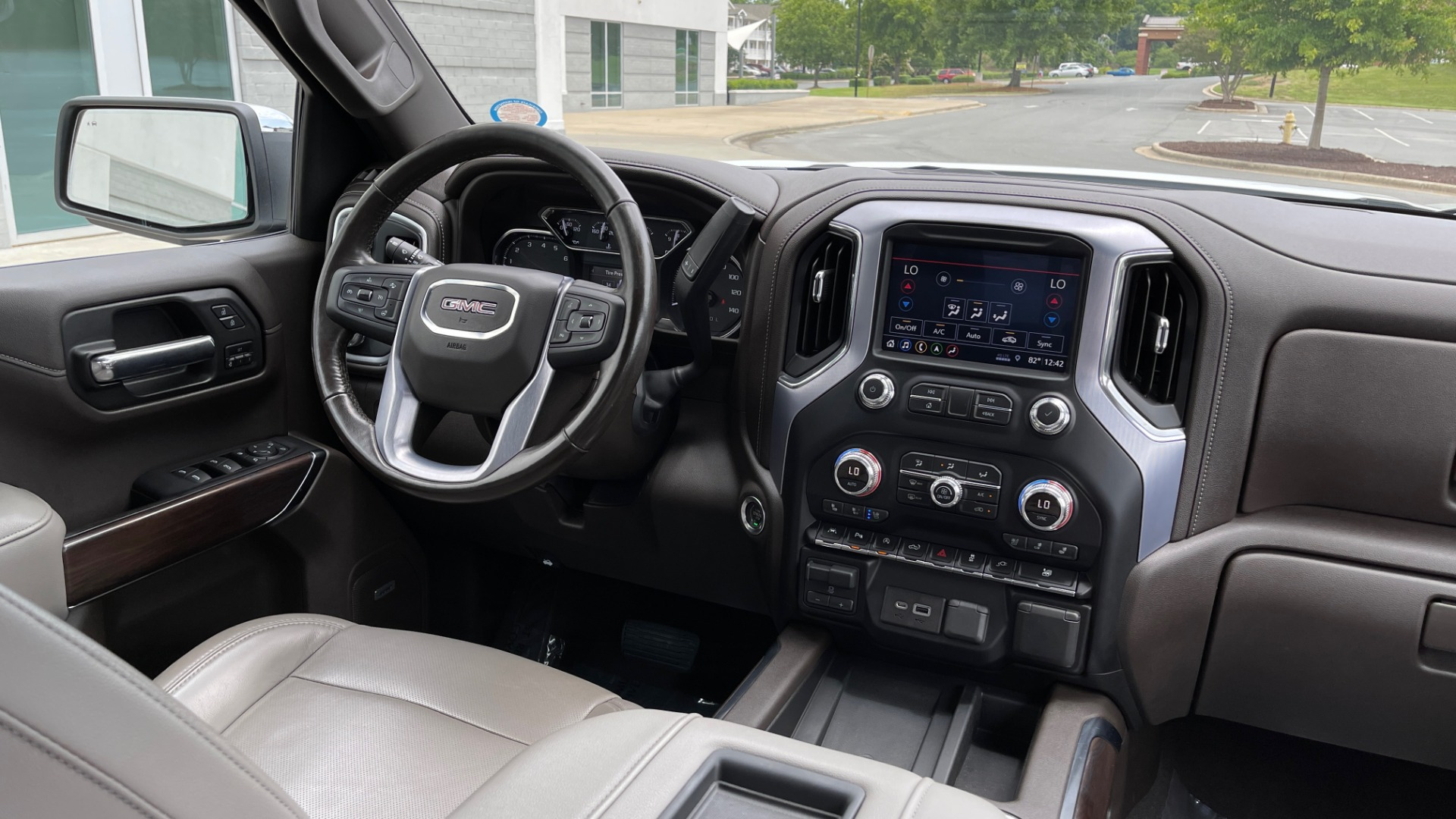 Used 2019 GMC SIERRA 1500 SLT 4X4 CREWCAB / 5.3L V8 / 8-SPD AUTO / NAV / BOSE / REARVIEW for sale $49,999 at Formula Imports in Charlotte NC 28227 78