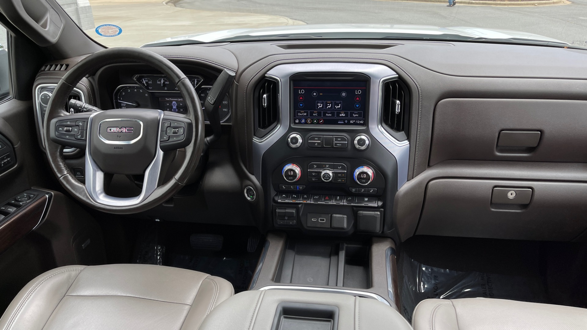 Used 2019 GMC SIERRA 1500 SLT 4X4 CREWCAB / 5.3L V8 / 8-SPD AUTO / NAV / BOSE / REARVIEW for sale $49,999 at Formula Imports in Charlotte NC 28227 79
