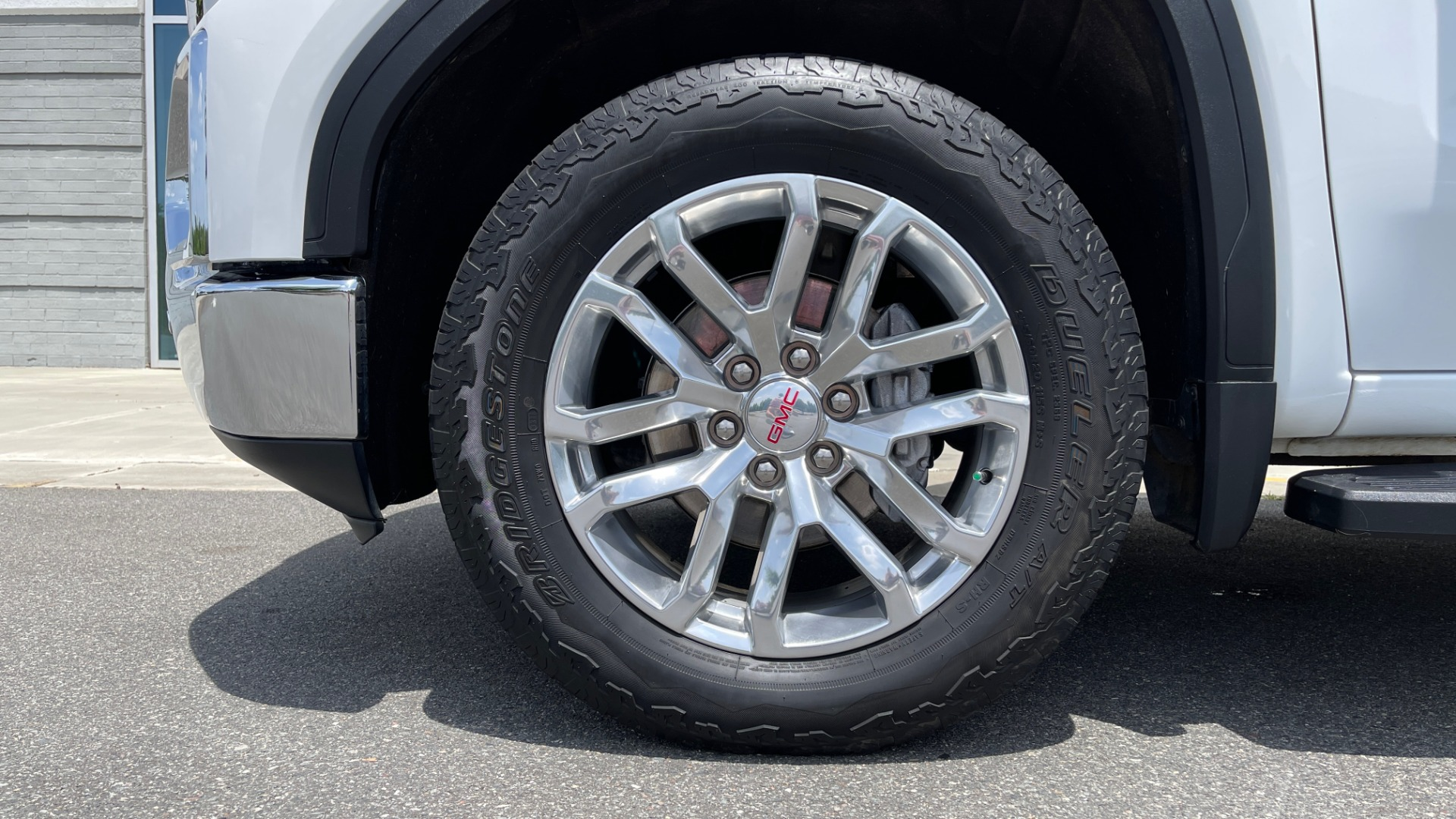 Used 2019 GMC SIERRA 1500 SLT 4X4 CREWCAB / 5.3L V8 / 8-SPD AUTO / NAV / BOSE / REARVIEW for sale $49,999 at Formula Imports in Charlotte NC 28227 80
