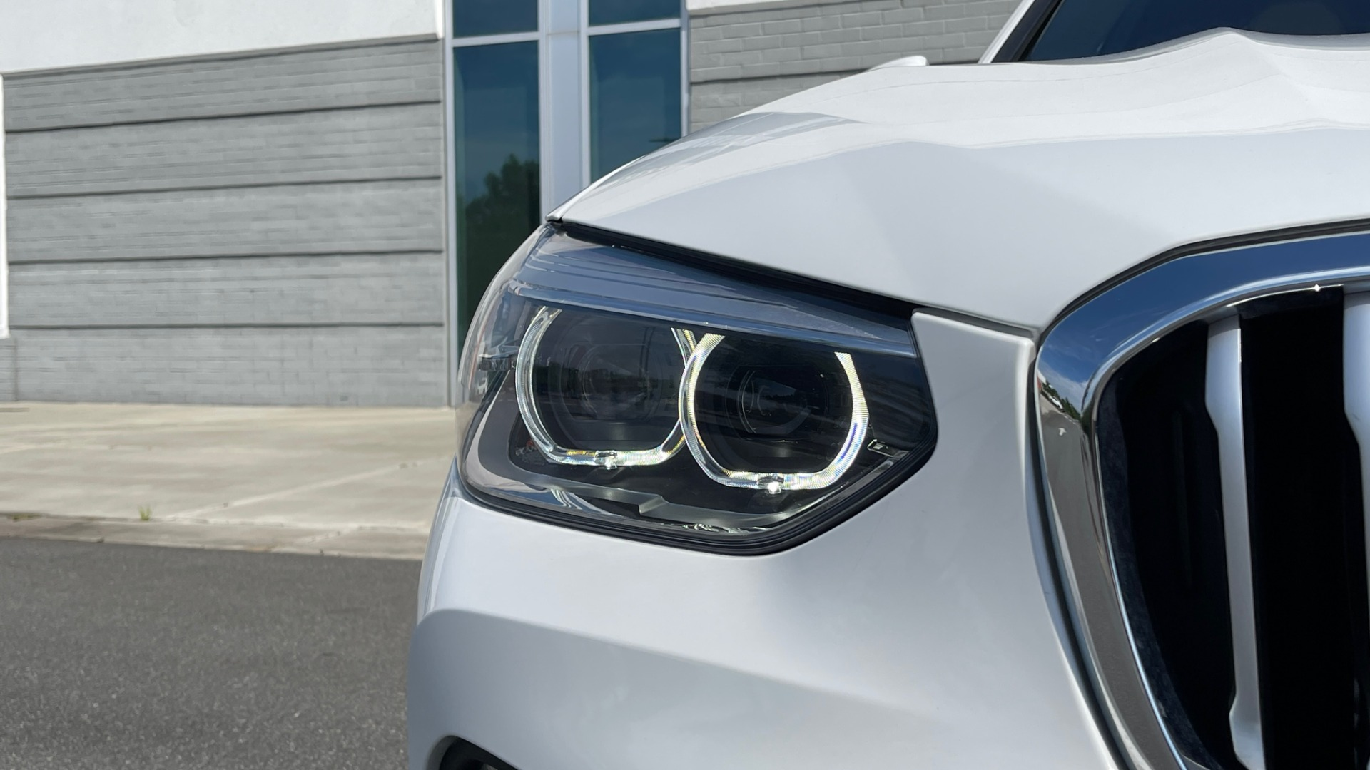 Used 2018 BMW X3 XDRIVE30I CONVENIENCE PKG / HEATED FRONT SEATS / REARVIEW for sale $36,595 at Formula Imports in Charlotte NC 28227 12