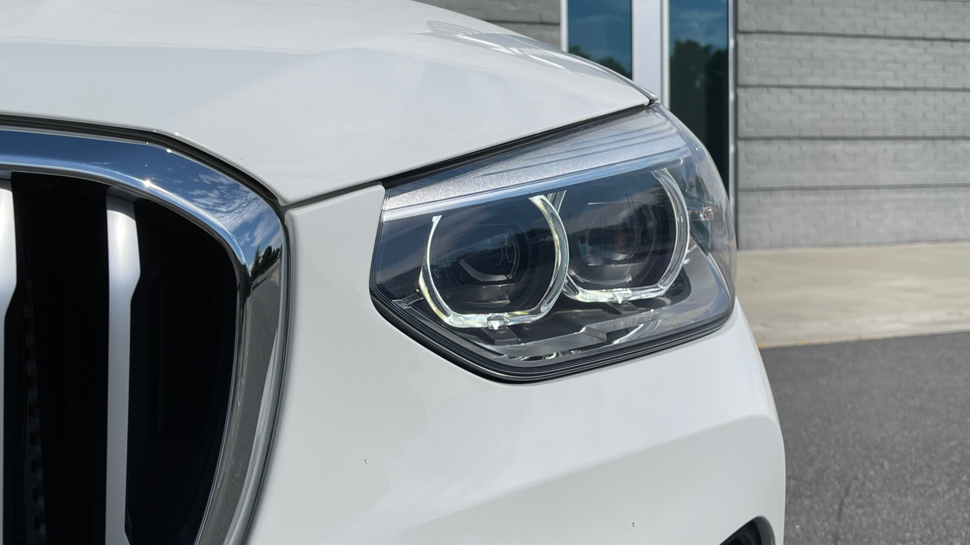 Used 2018 BMW X3 XDRIVE30I CONVENIENCE PKG / HEATED FRONT SEATS / REARVIEW for sale $36,595 at Formula Imports in Charlotte NC 28227 13