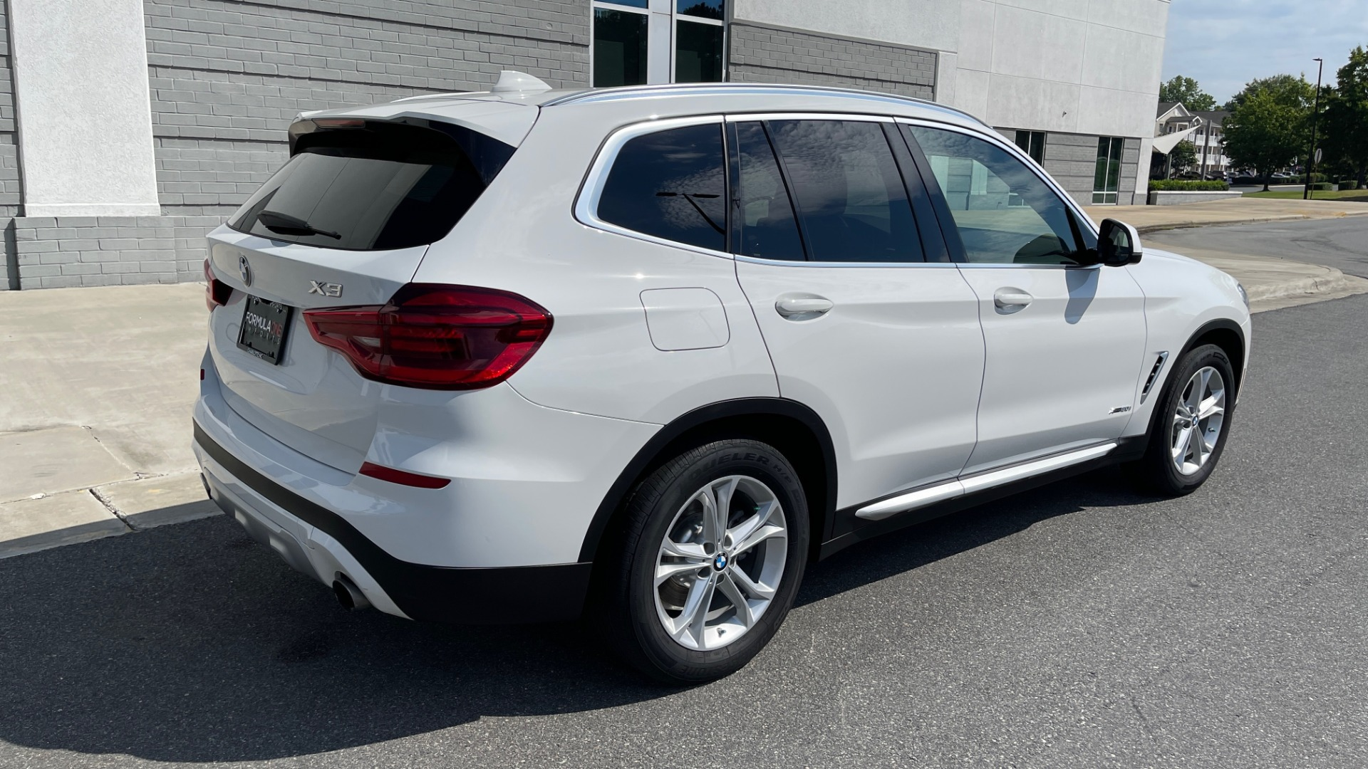 Used 2018 BMW X3 XDRIVE30I CONVENIENCE PKG / HEATED FRONT SEATS / REARVIEW for sale $36,595 at Formula Imports in Charlotte NC 28227 2