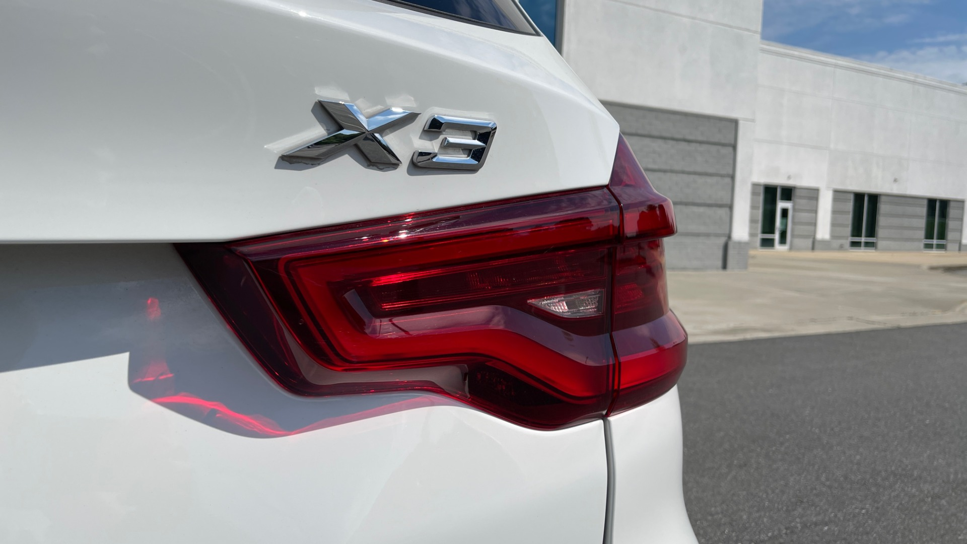 Used 2018 BMW X3 XDRIVE30I CONVENIENCE PKG / HEATED FRONT SEATS / REARVIEW for sale $36,595 at Formula Imports in Charlotte NC 28227 23