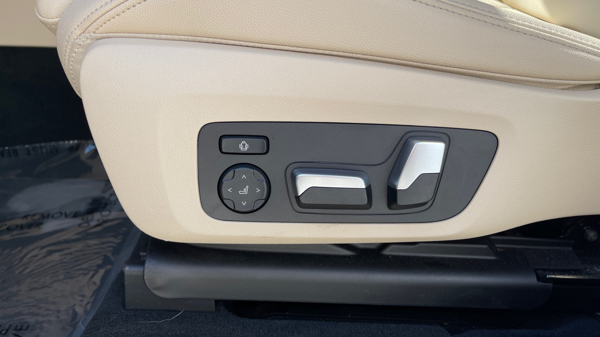 Used 2018 BMW X3 XDRIVE30I CONVENIENCE PKG / HEATED FRONT SEATS / REARVIEW for sale $36,595 at Formula Imports in Charlotte NC 28227 32