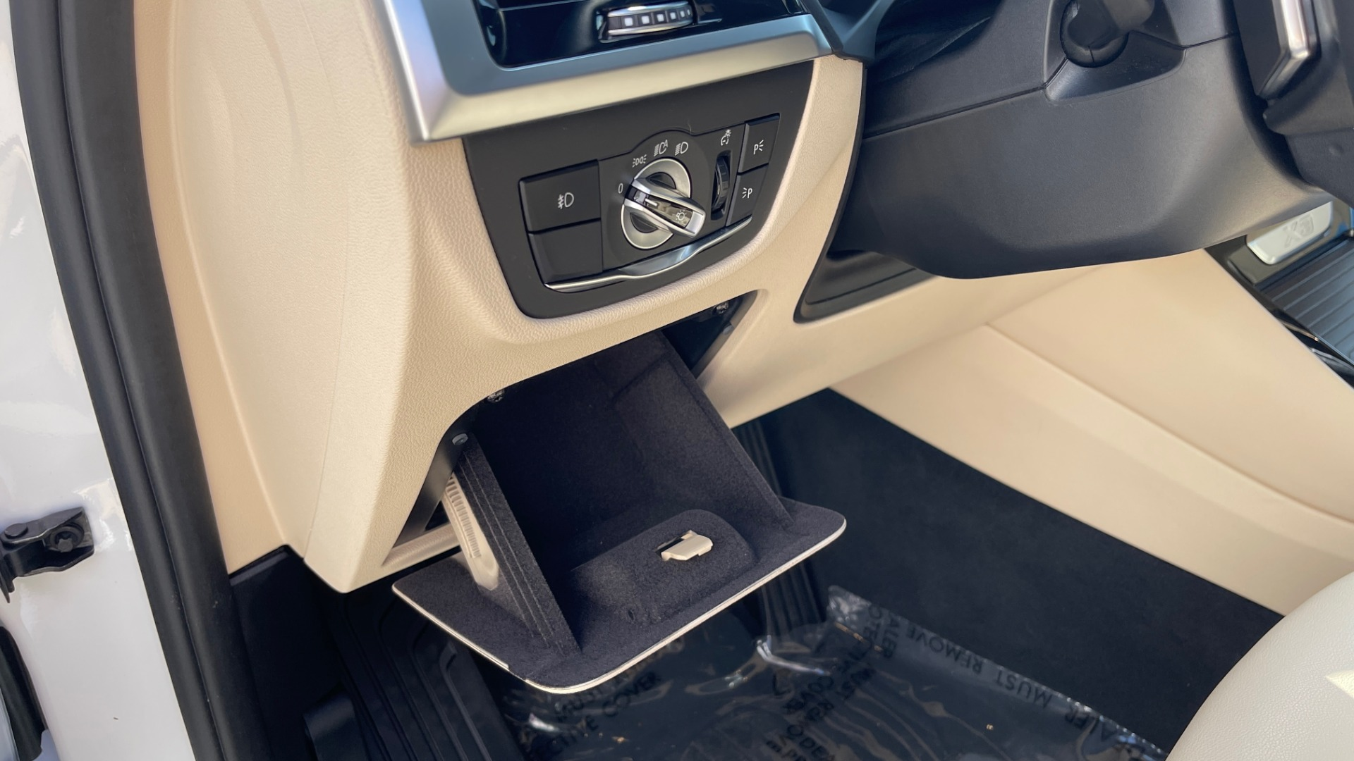 Used 2018 BMW X3 XDRIVE30I CONVENIENCE PKG / HEATED FRONT SEATS / REARVIEW for sale $36,595 at Formula Imports in Charlotte NC 28227 33