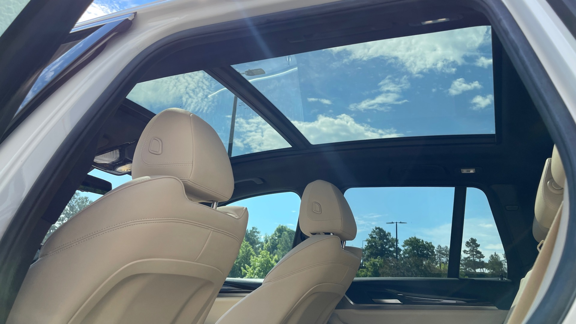 Used 2018 BMW X3 XDRIVE30I CONVENIENCE PKG / HEATED FRONT SEATS / REARVIEW for sale $36,595 at Formula Imports in Charlotte NC 28227 35