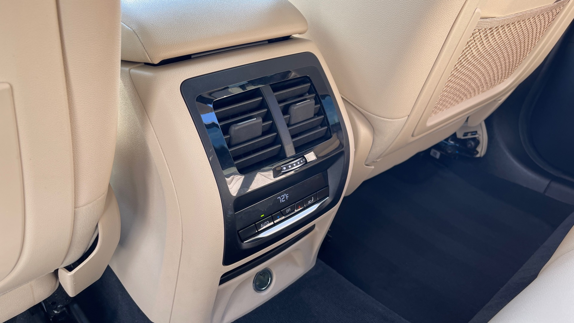 Used 2018 BMW X3 XDRIVE30I CONVENIENCE PKG / HEATED FRONT SEATS / REARVIEW for sale $36,595 at Formula Imports in Charlotte NC 28227 55