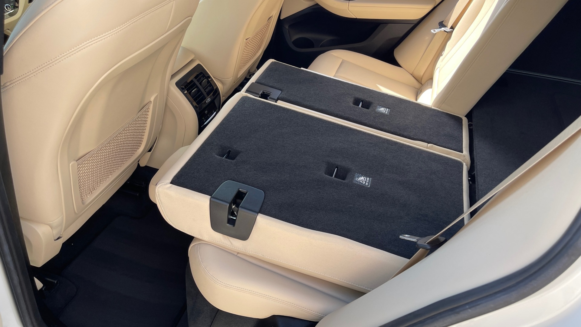 Used 2018 BMW X3 XDRIVE30I CONVENIENCE PKG / HEATED FRONT SEATS / REARVIEW for sale $36,595 at Formula Imports in Charlotte NC 28227 57