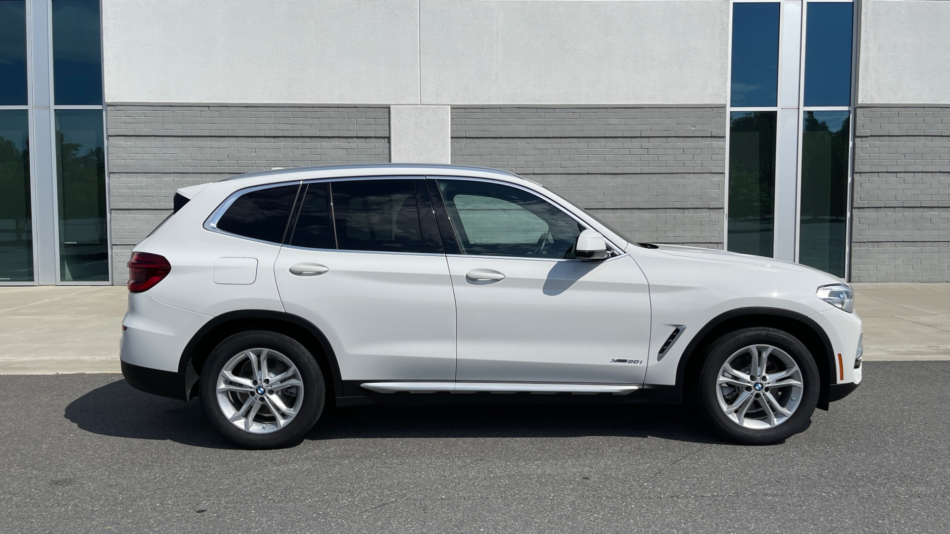 Used 2018 BMW X3 XDRIVE30I CONVENIENCE PKG / HEATED FRONT SEATS / REARVIEW for sale $36,595 at Formula Imports in Charlotte NC 28227 7