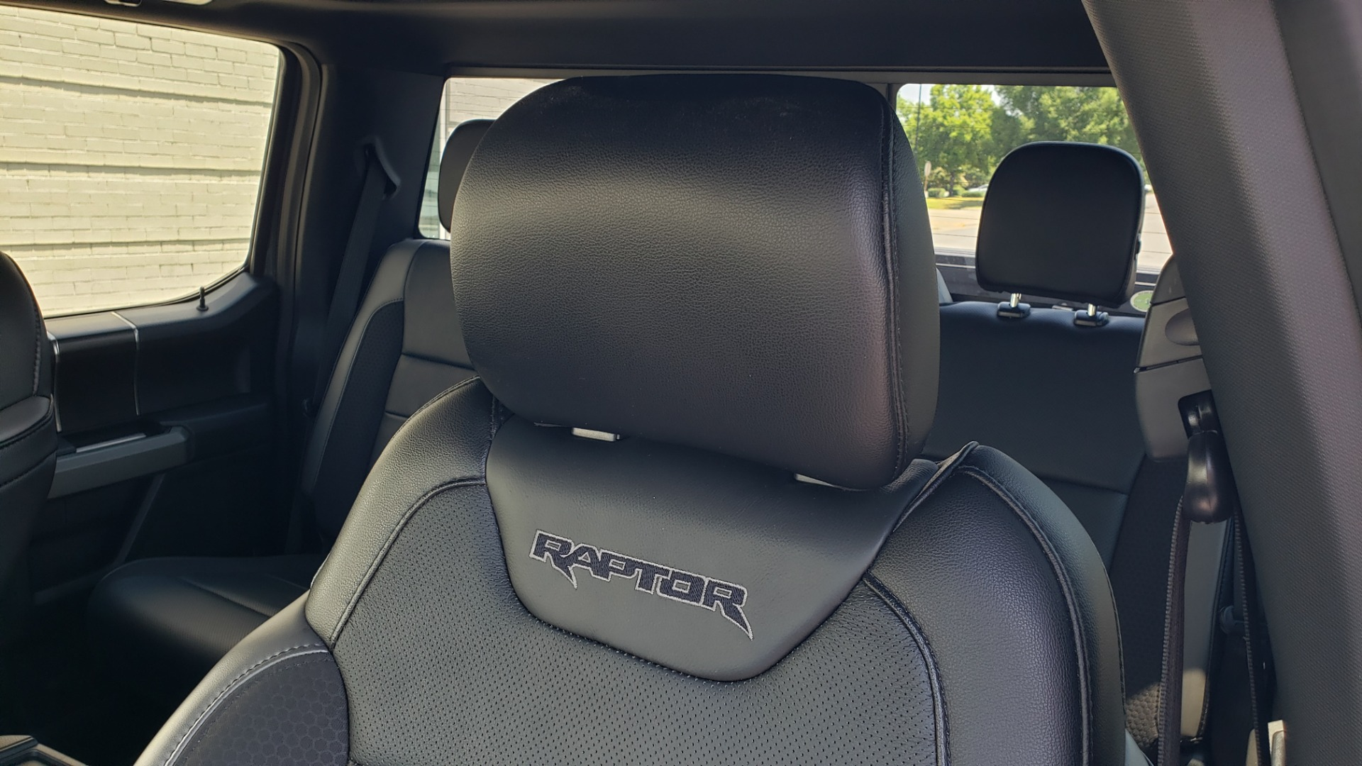 Used 2020 Ford F-150 RAPTOR 4X4 SUPERCREW / 3.5L ECOBOOST / 10-SPD AUTO / SUNROOF / REARVIEW for sale $82,500 at Formula Imports in Charlotte NC 28227 14