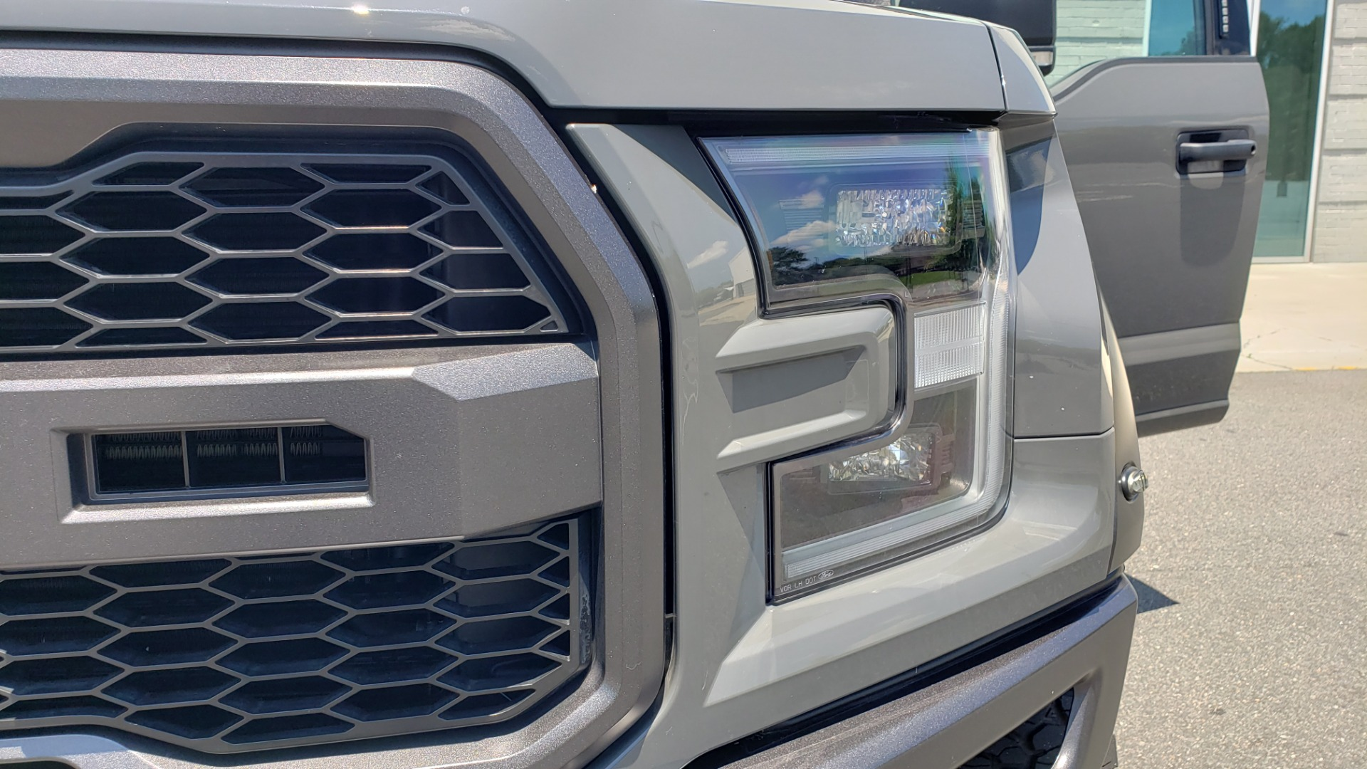 Used 2020 Ford F-150 RAPTOR 4X4 SUPERCREW / 3.5L ECOBOOST / 10-SPD AUTO / SUNROOF / REARVIEW for sale $82,500 at Formula Imports in Charlotte NC 28227 23
