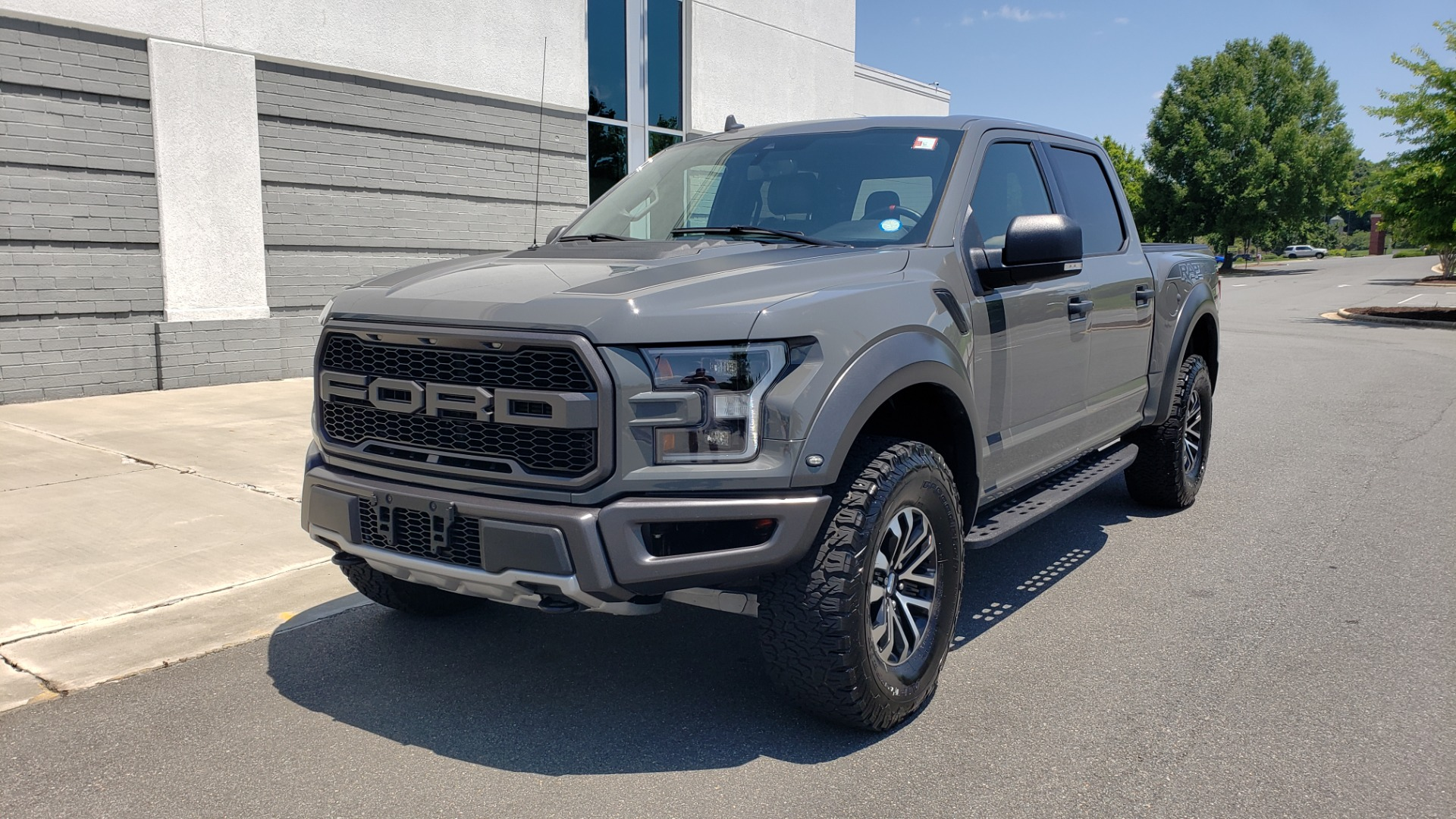 Used 2020 Ford F-150 RAPTOR 4X4 SUPERCREW / 3.5L ECOBOOST / 10-SPD AUTO / SUNROOF / REARVIEW for sale $82,500 at Formula Imports in Charlotte NC 28227 3