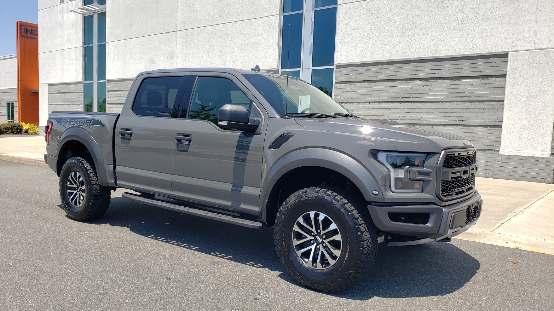 Used 2020 Ford F-150 RAPTOR 4X4 SUPERCREW / 3.5L ECOBOOST / 10-SPD AUTO / SUNROOF / REARVIEW for sale $82,500 at Formula Imports in Charlotte NC 28227 7