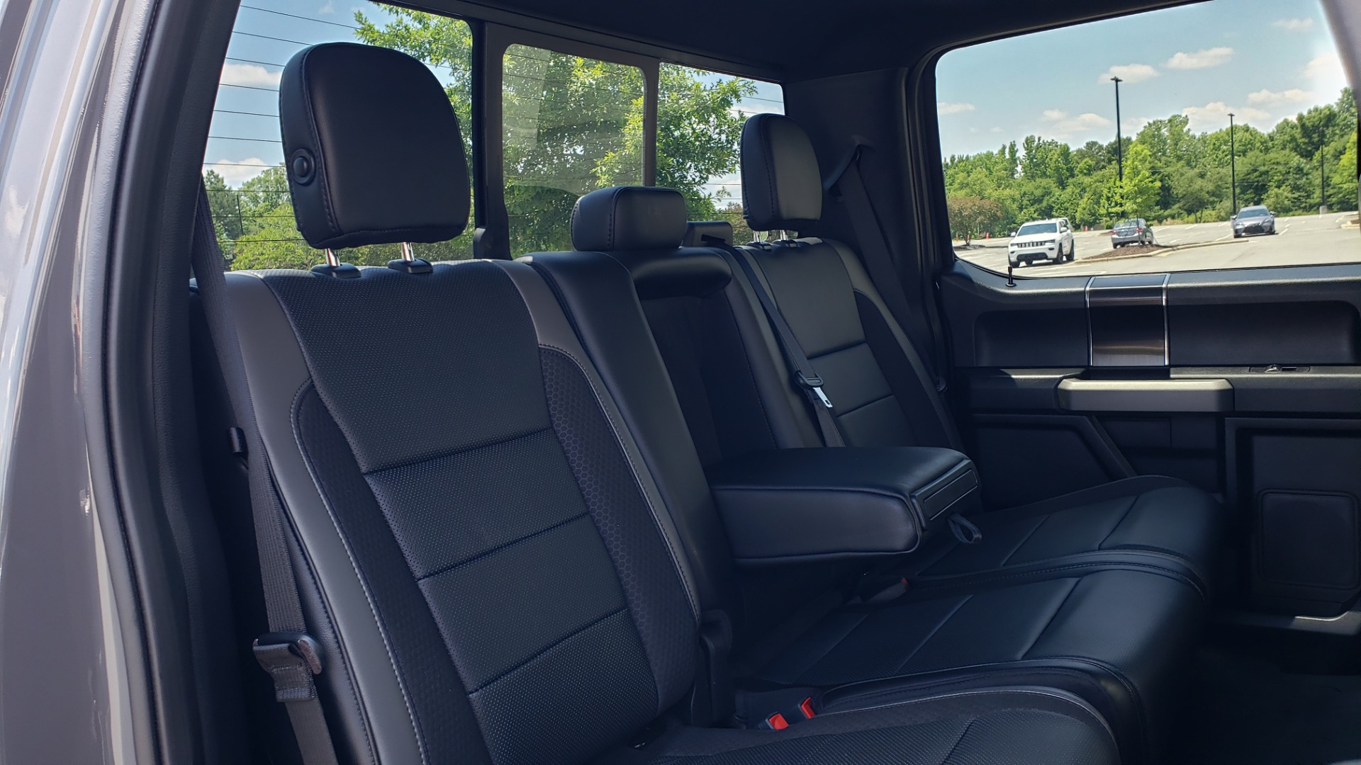 Used 2020 Ford F-150 RAPTOR 4X4 SUPERCREW / 3.5L ECOBOOST / 10-SPD AUTO / SUNROOF / REARVIEW for sale $82,500 at Formula Imports in Charlotte NC 28227 73