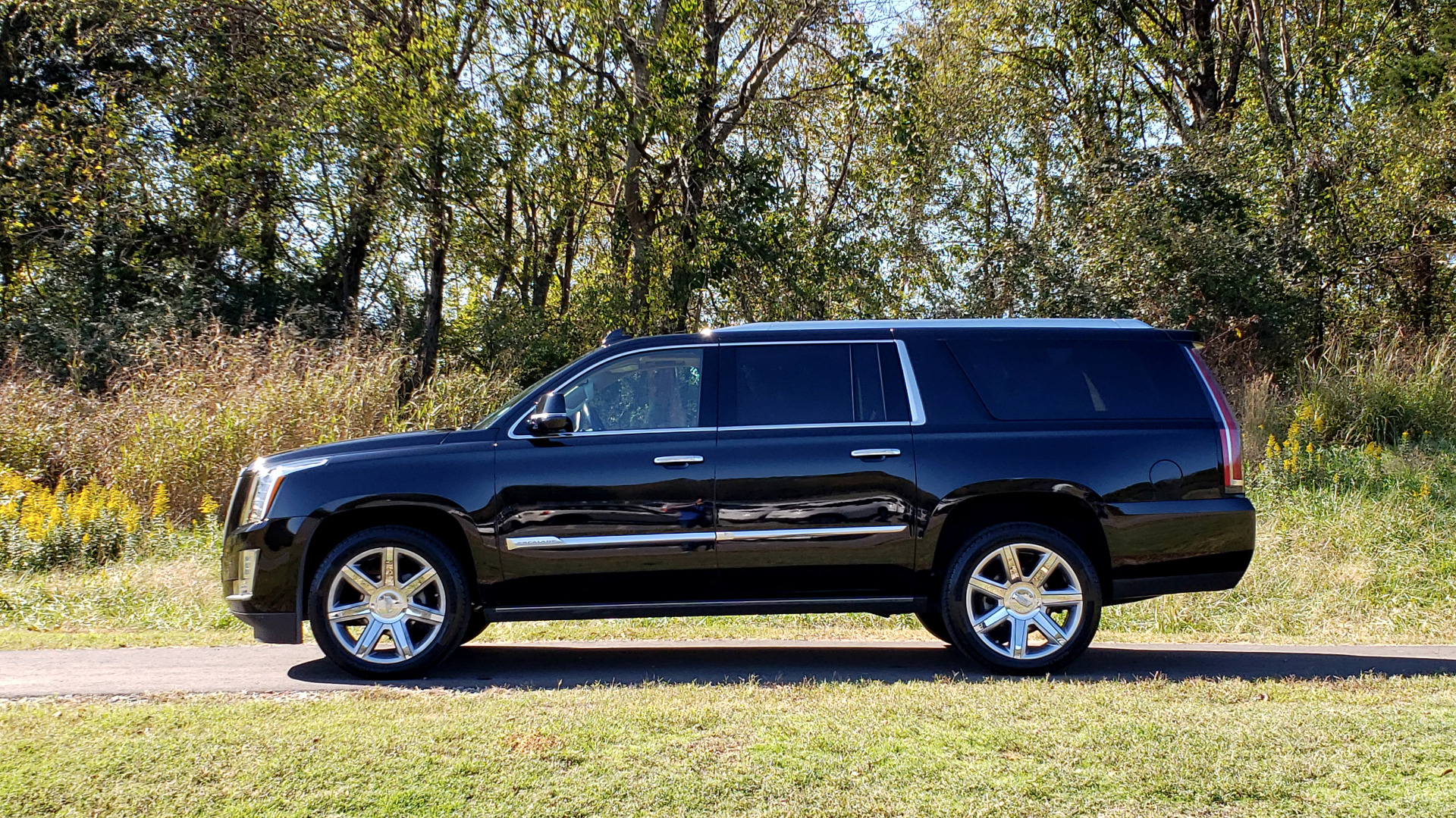 Used 2016 Cadillac ESCALADE ESV PREMIUM COLLECTION / NAV / 3-ROW / SUNROOF / CAMERA for sale Sold at Formula Imports in Charlotte NC 28227 2