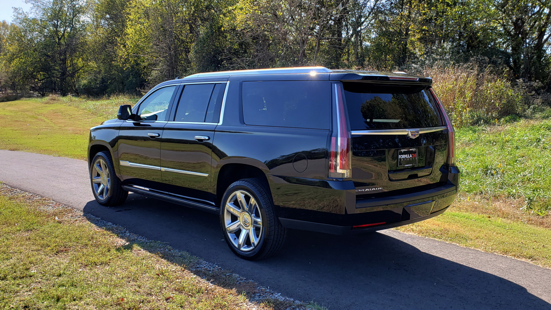 Used 2016 Cadillac ESCALADE ESV PREMIUM COLLECTION / NAV / 3-ROW / SUNROOF / CAMERA for sale Sold at Formula Imports in Charlotte NC 28227 3